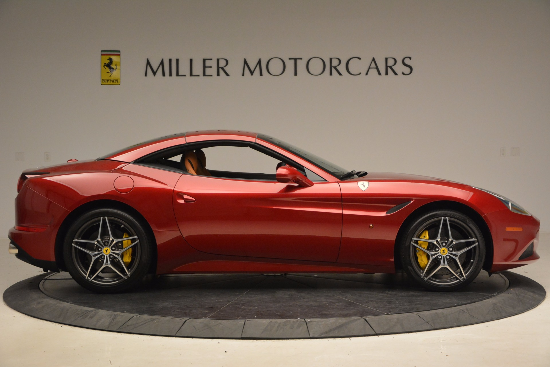 Used 2017 Ferrari California T  For Sale In Greenwich, CT. Alfa Romeo of Greenwich, F1794B 1395_p21