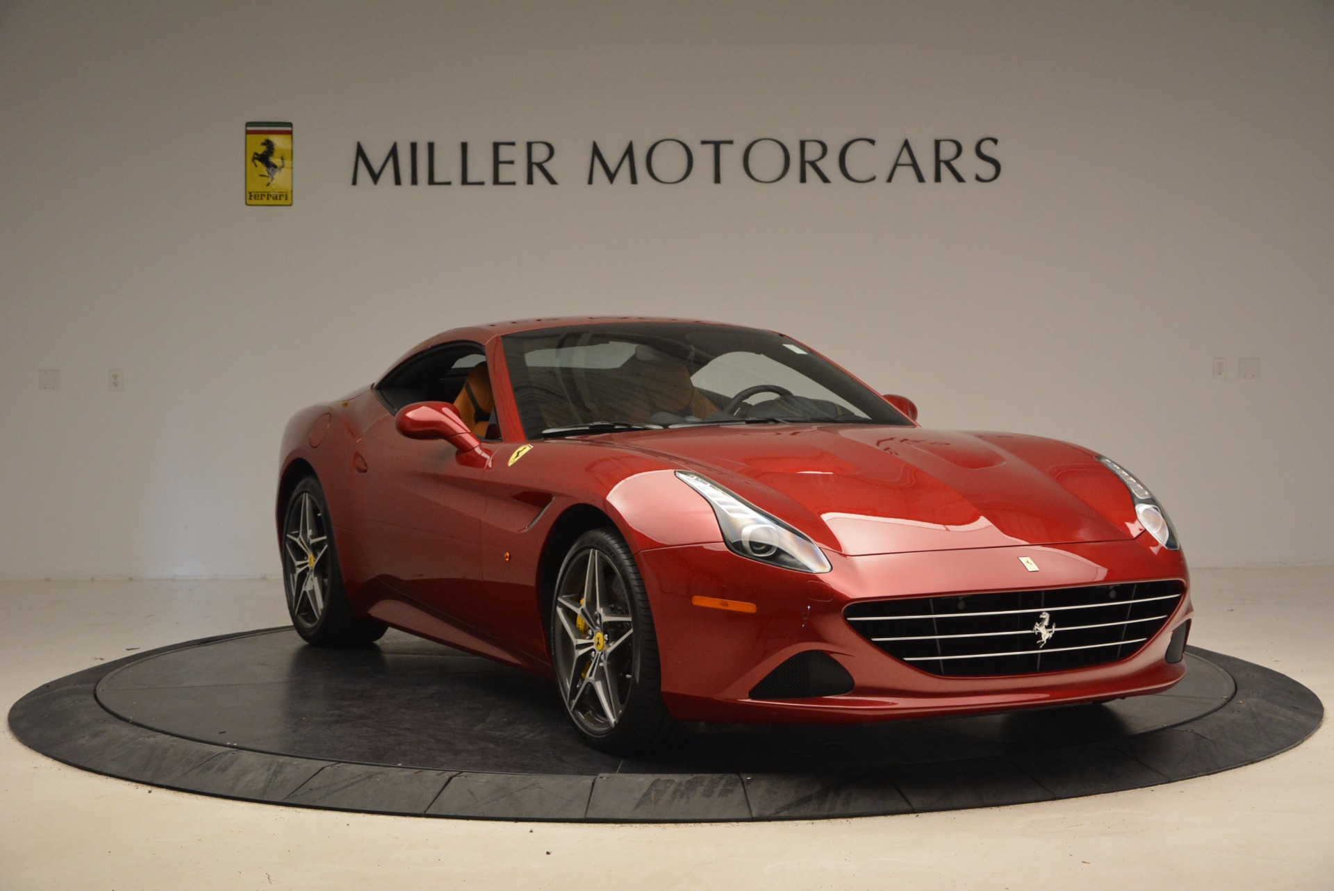 Used 2017 Ferrari California T  For Sale In Greenwich, CT. Alfa Romeo of Greenwich, F1794B 1395_p23