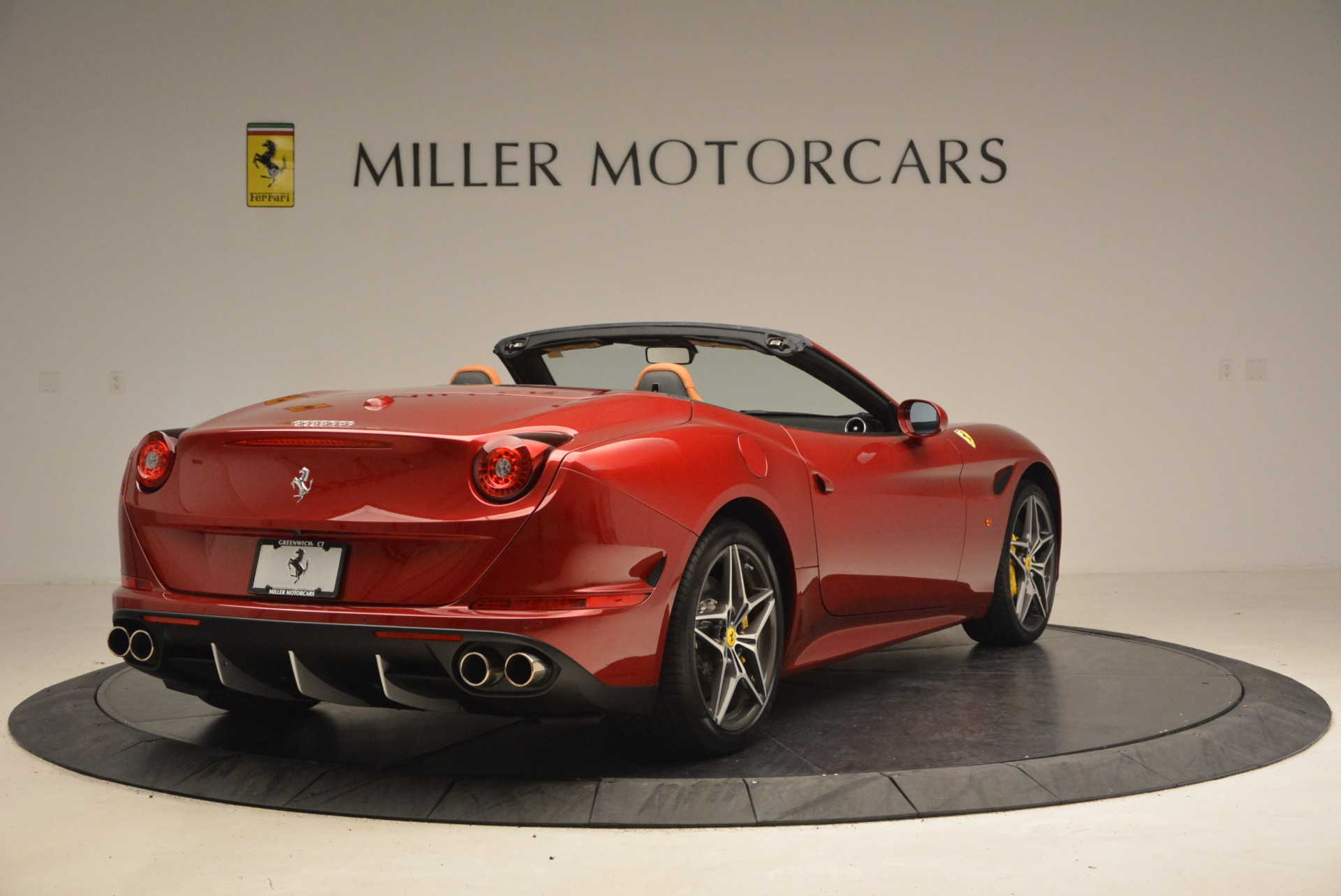 Used 2017 Ferrari California T  For Sale In Greenwich, CT. Alfa Romeo of Greenwich, F1794B 1395_p7