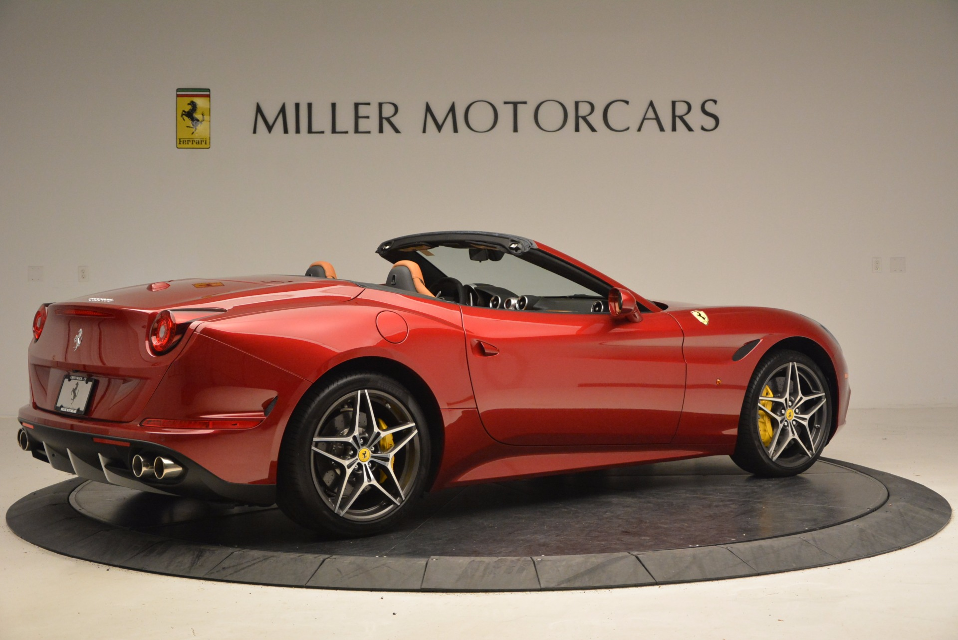 Used 2017 Ferrari California T  For Sale In Greenwich, CT. Alfa Romeo of Greenwich, F1794B 1395_p8