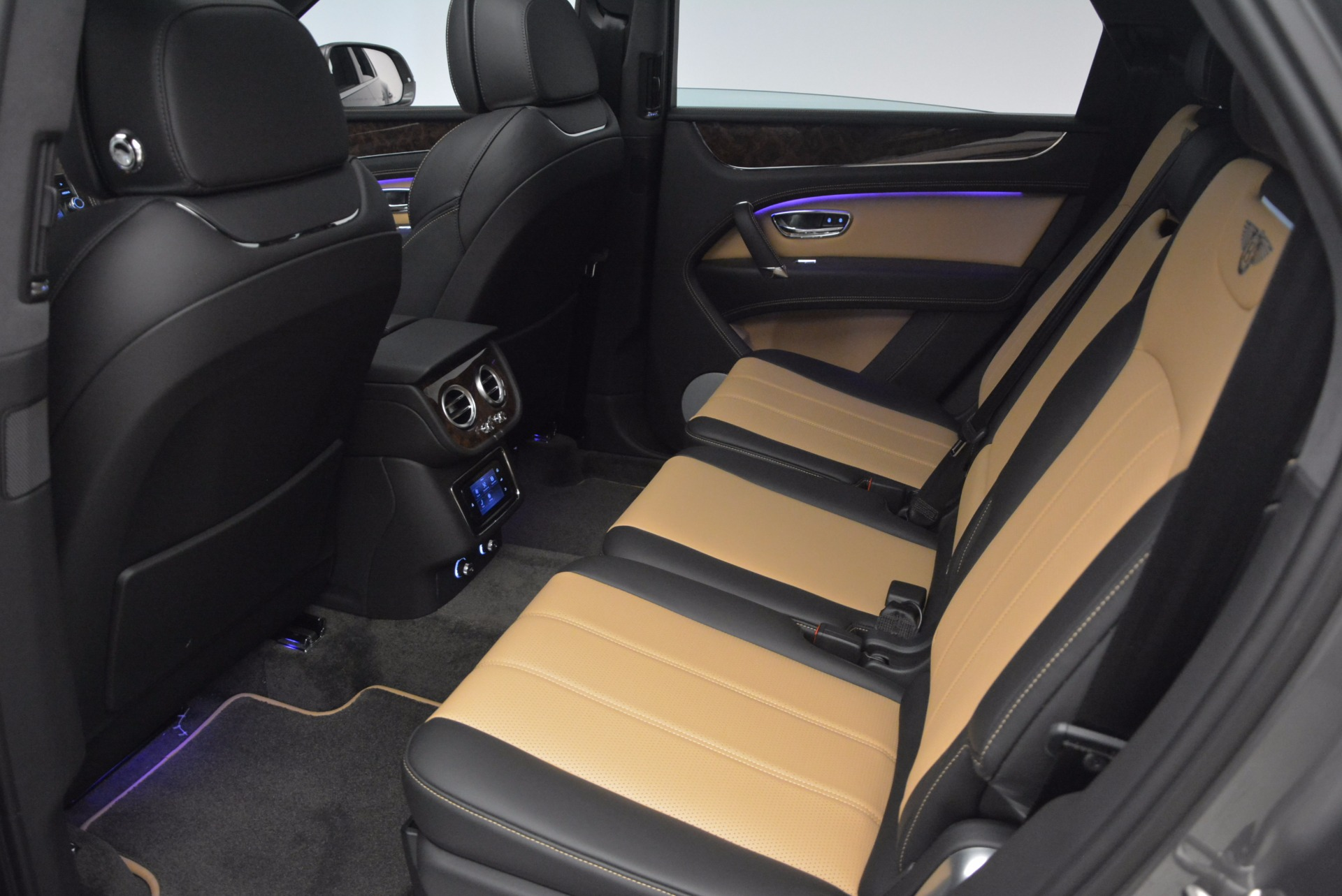 New 2018 Bentley Bentayga Activity Edition-Now with seating for 7!!! For Sale In Greenwich, CT. Alfa Romeo of Greenwich, B1269 1396_p30