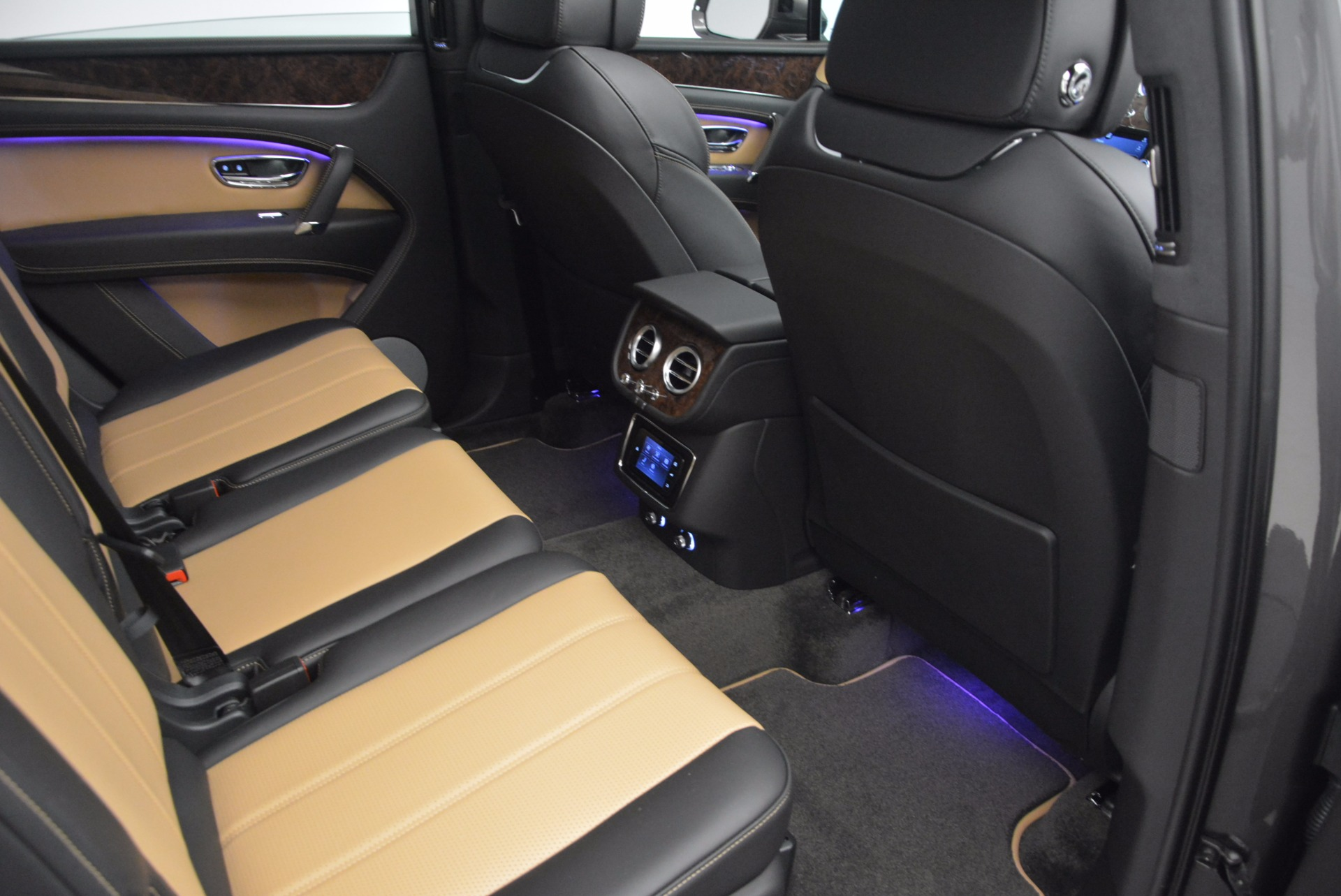 New 2018 Bentley Bentayga Activity Edition-Now with seating for 7!!! For Sale In Greenwich, CT. Alfa Romeo of Greenwich, B1269 1396_p39