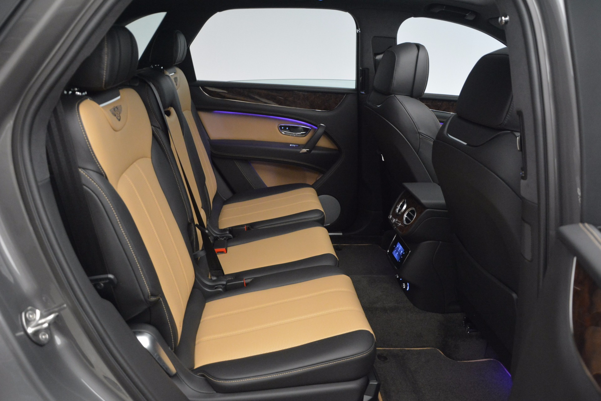 New 2018 Bentley Bentayga Activity Edition-Now with seating for 7!!! For Sale In Greenwich, CT. Alfa Romeo of Greenwich, B1269 1396_p40