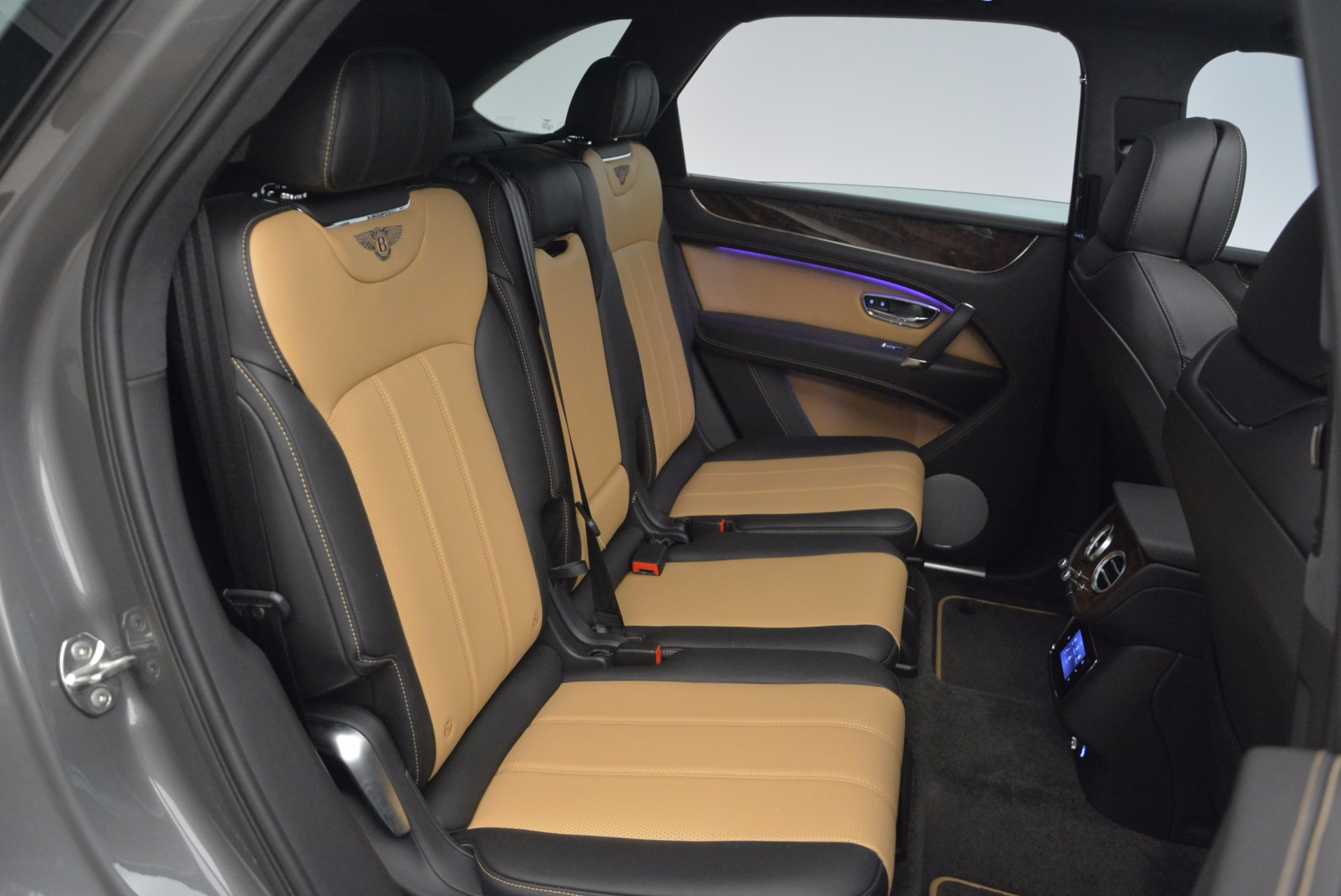 New 2018 Bentley Bentayga Activity Edition-Now with seating for 7!!! For Sale In Greenwich, CT. Alfa Romeo of Greenwich, B1269 1396_p41