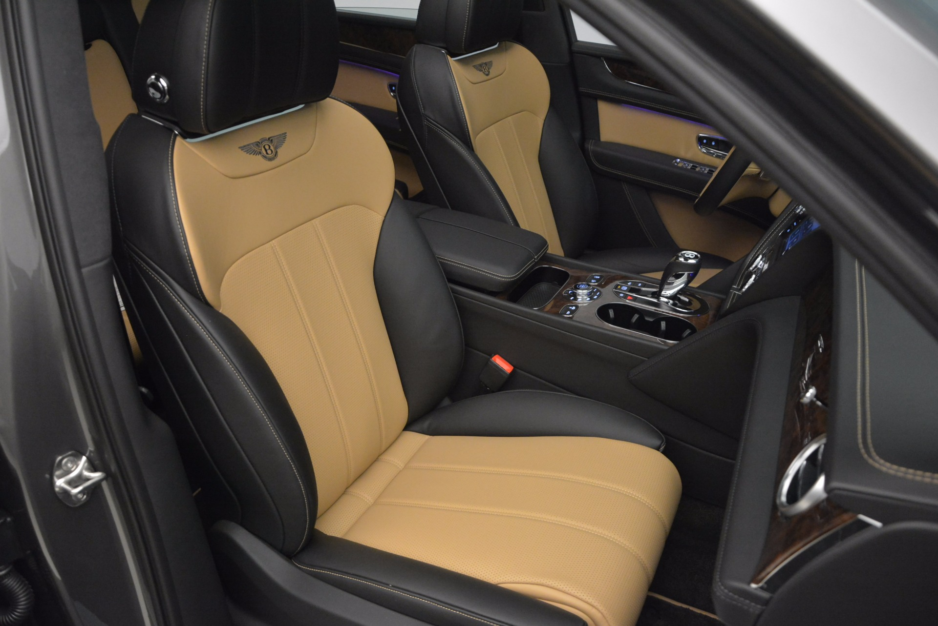 New 2018 Bentley Bentayga Activity Edition-Now with seating for 7!!! For Sale In Greenwich, CT. Alfa Romeo of Greenwich, B1269 1396_p43