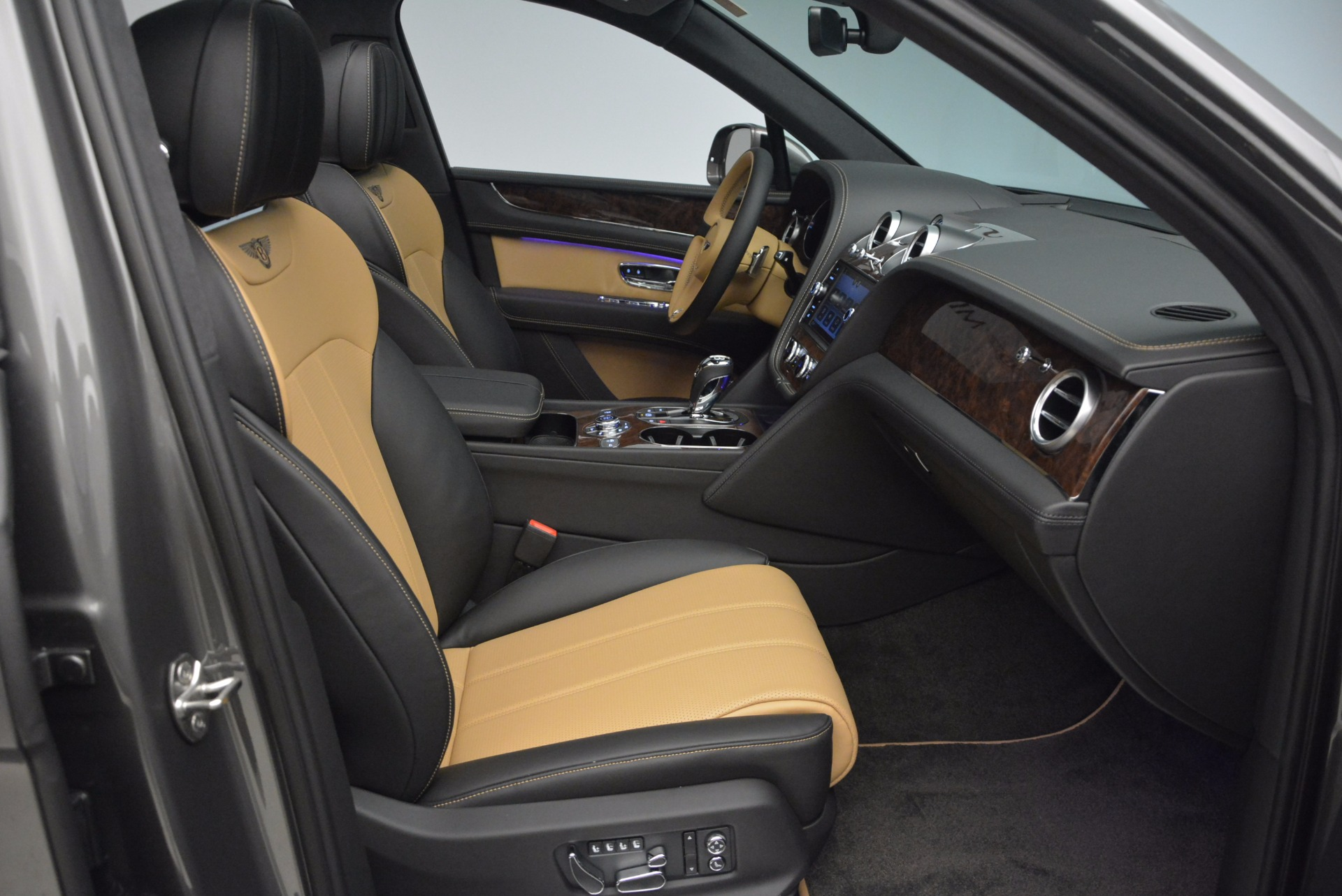 New 2018 Bentley Bentayga Activity Edition-Now with seating for 7!!! For Sale In Greenwich, CT. Alfa Romeo of Greenwich, B1269 1396_p44