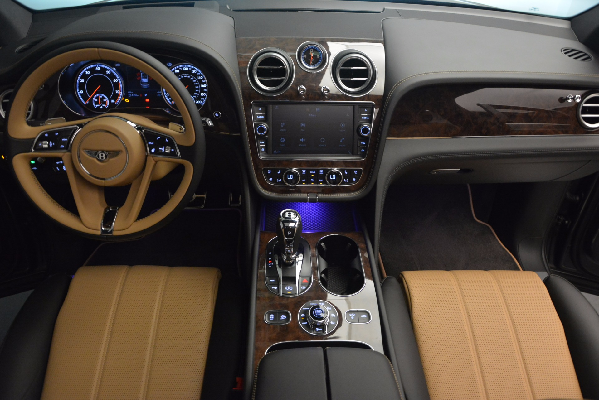 New 2018 Bentley Bentayga Activity Edition-Now with seating for 7!!! For Sale In Greenwich, CT. Alfa Romeo of Greenwich, B1269 1396_p47