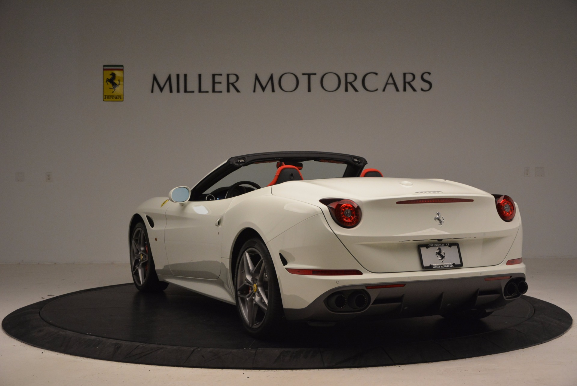 Used 2017 Ferrari California T  For Sale In Greenwich, CT. Alfa Romeo of Greenwich, F1762B 1412_p5