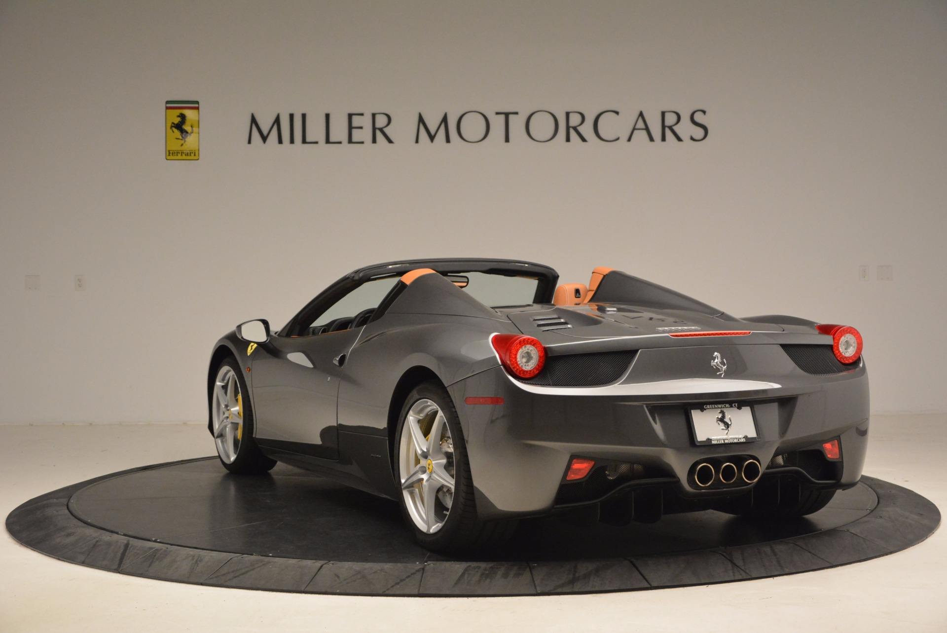 Used 2015 Ferrari 458 Spider  For Sale In Greenwich, CT. Alfa Romeo of Greenwich, 4402A 1423_p5
