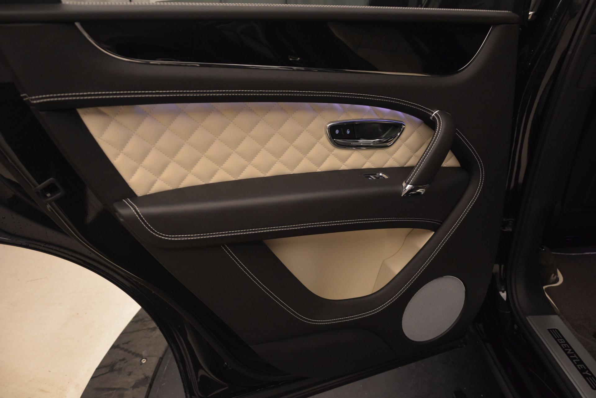 New 2018 Bentley Bentayga Signature For Sale In Greenwich, CT. Alfa Romeo of Greenwich, B1284 1424_p30