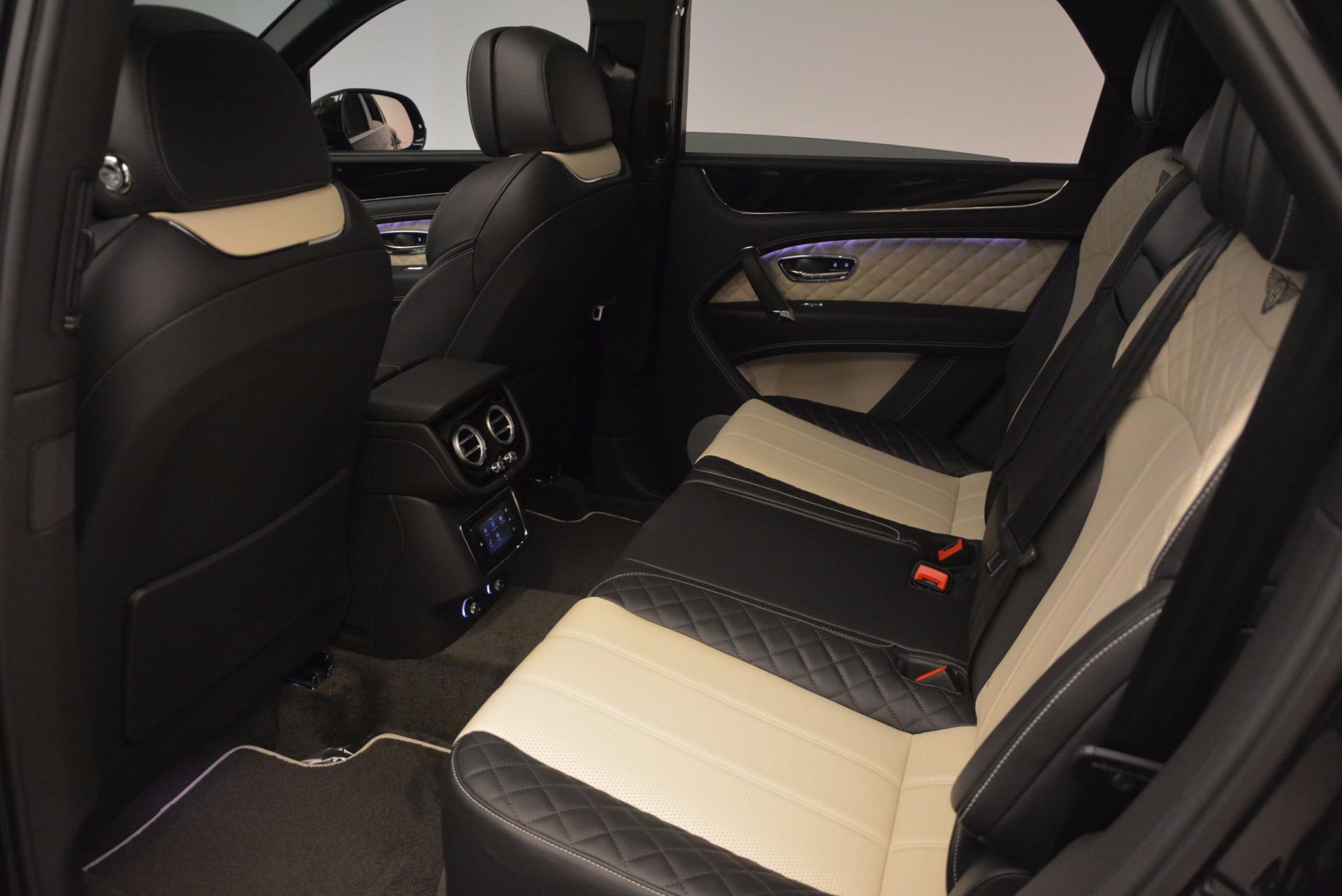 New 2018 Bentley Bentayga Signature For Sale In Greenwich, CT. Alfa Romeo of Greenwich, B1284 1424_p31