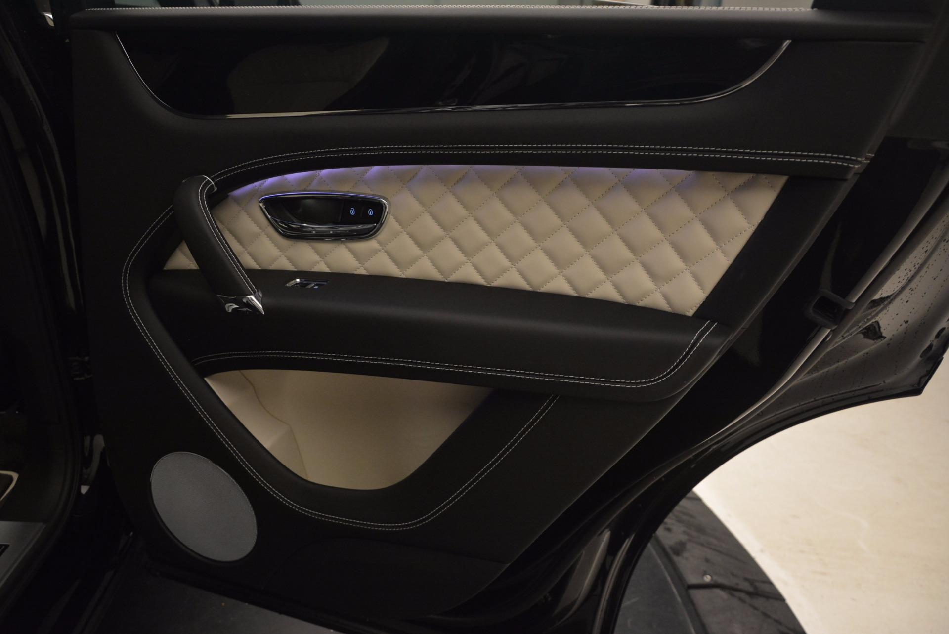 New 2018 Bentley Bentayga Signature For Sale In Greenwich, CT. Alfa Romeo of Greenwich, B1284 1424_p37