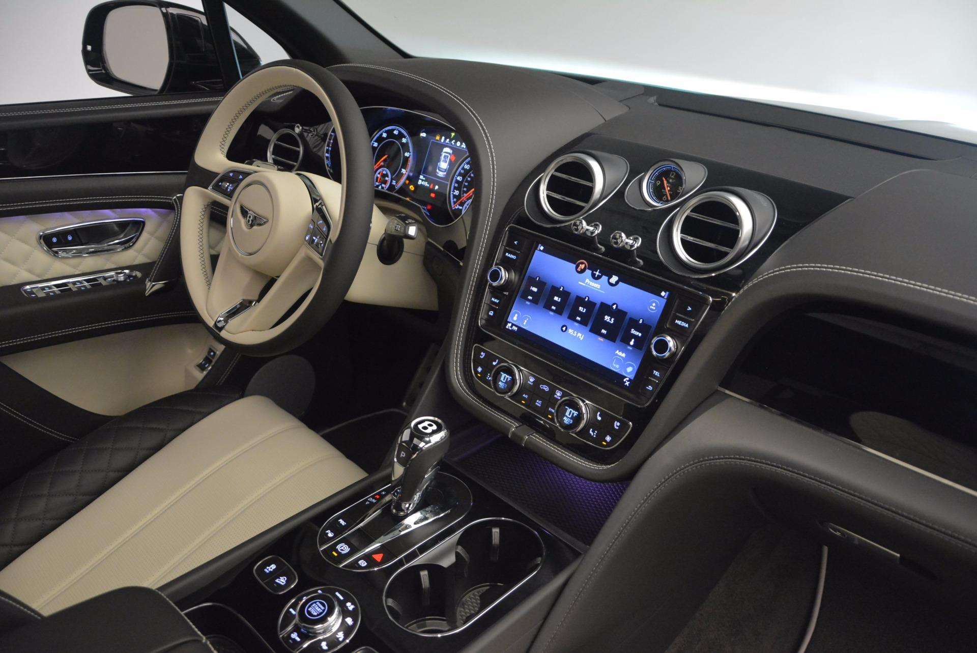 New 2018 Bentley Bentayga Signature For Sale In Greenwich, CT. Alfa Romeo of Greenwich, B1284 1424_p44