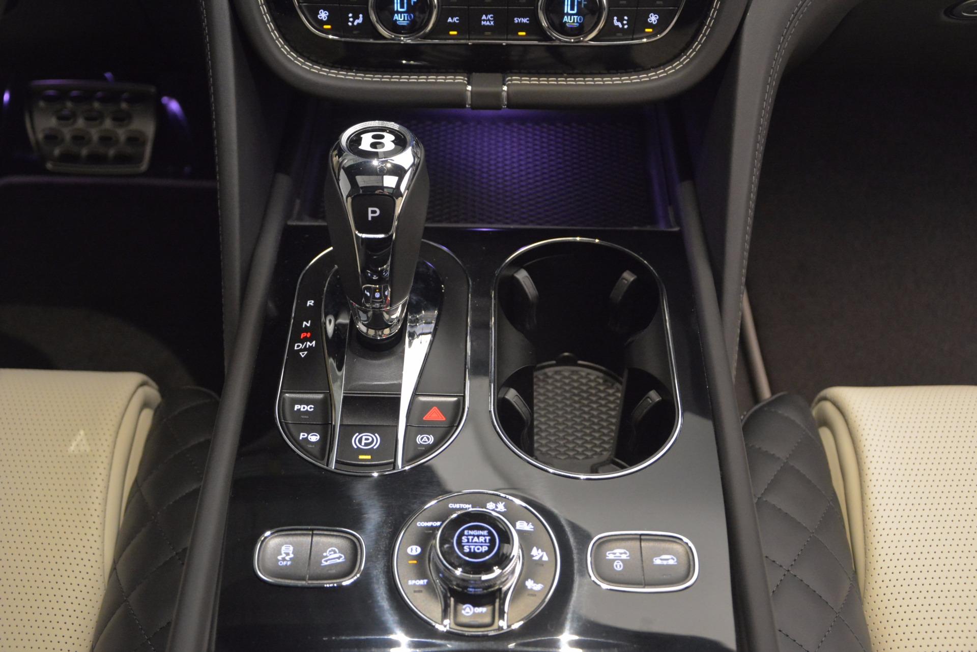New 2018 Bentley Bentayga Signature For Sale In Greenwich, CT. Alfa Romeo of Greenwich, B1284 1424_p49