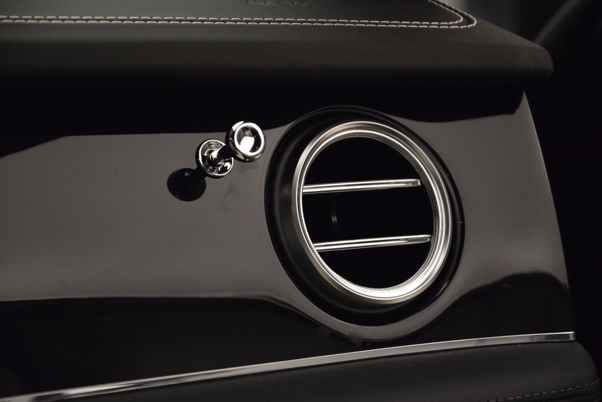 New 2018 Bentley Bentayga Signature For Sale In Greenwich, CT. Alfa Romeo of Greenwich, B1284 1424_p50