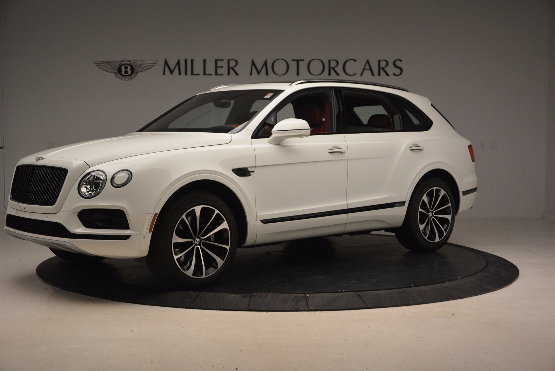 New 2018 Bentley Bentayga Onyx For Sale In Greenwich, CT. Alfa Romeo of Greenwich, B1283 1425_p2