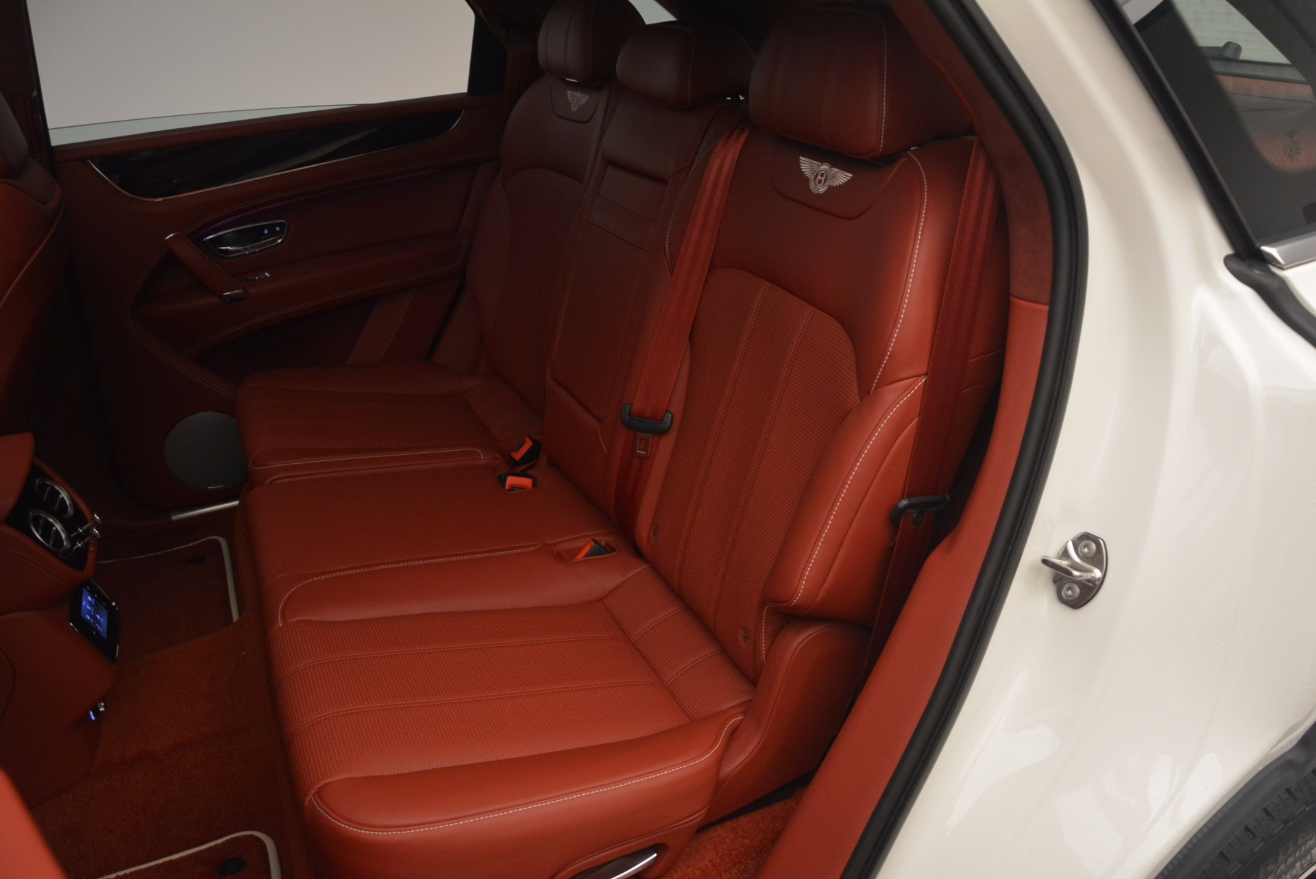 New 2018 Bentley Bentayga Onyx For Sale In Greenwich, CT. Alfa Romeo of Greenwich, B1283 1425_p34