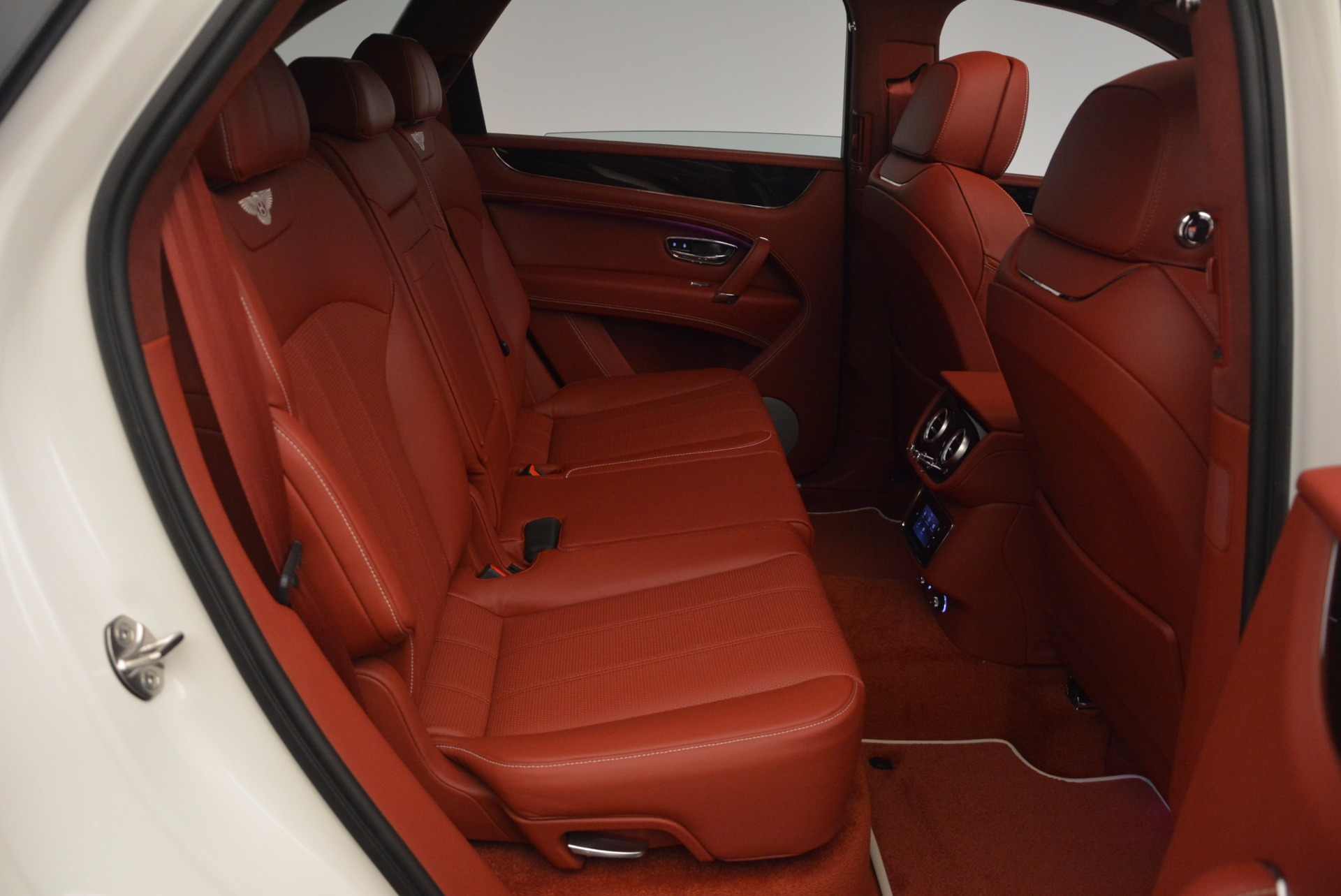 New 2018 Bentley Bentayga Onyx For Sale In Greenwich, CT. Alfa Romeo of Greenwich, B1283 1425_p40
