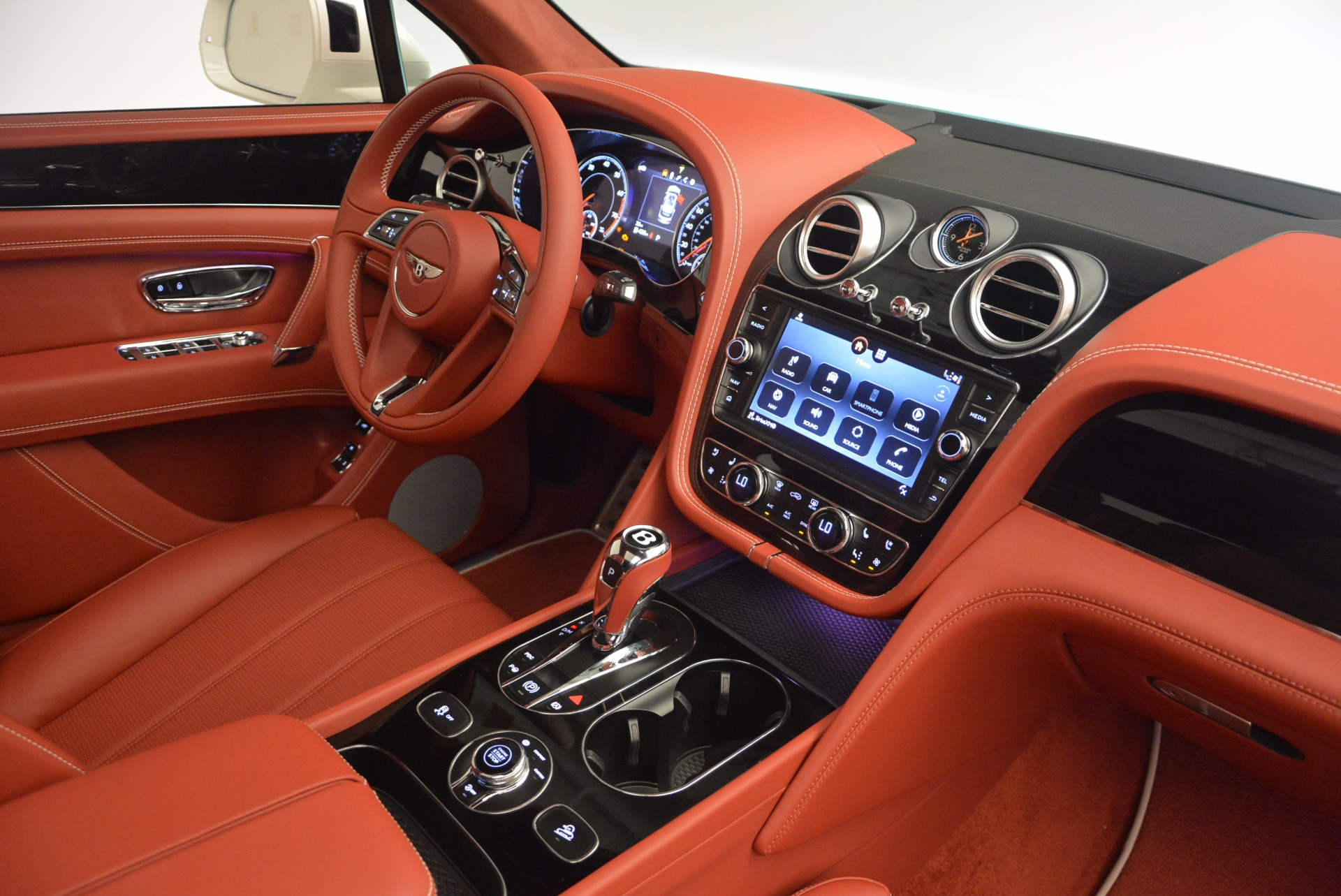 New 2018 Bentley Bentayga Onyx For Sale In Greenwich, CT. Alfa Romeo of Greenwich, B1283 1425_p46