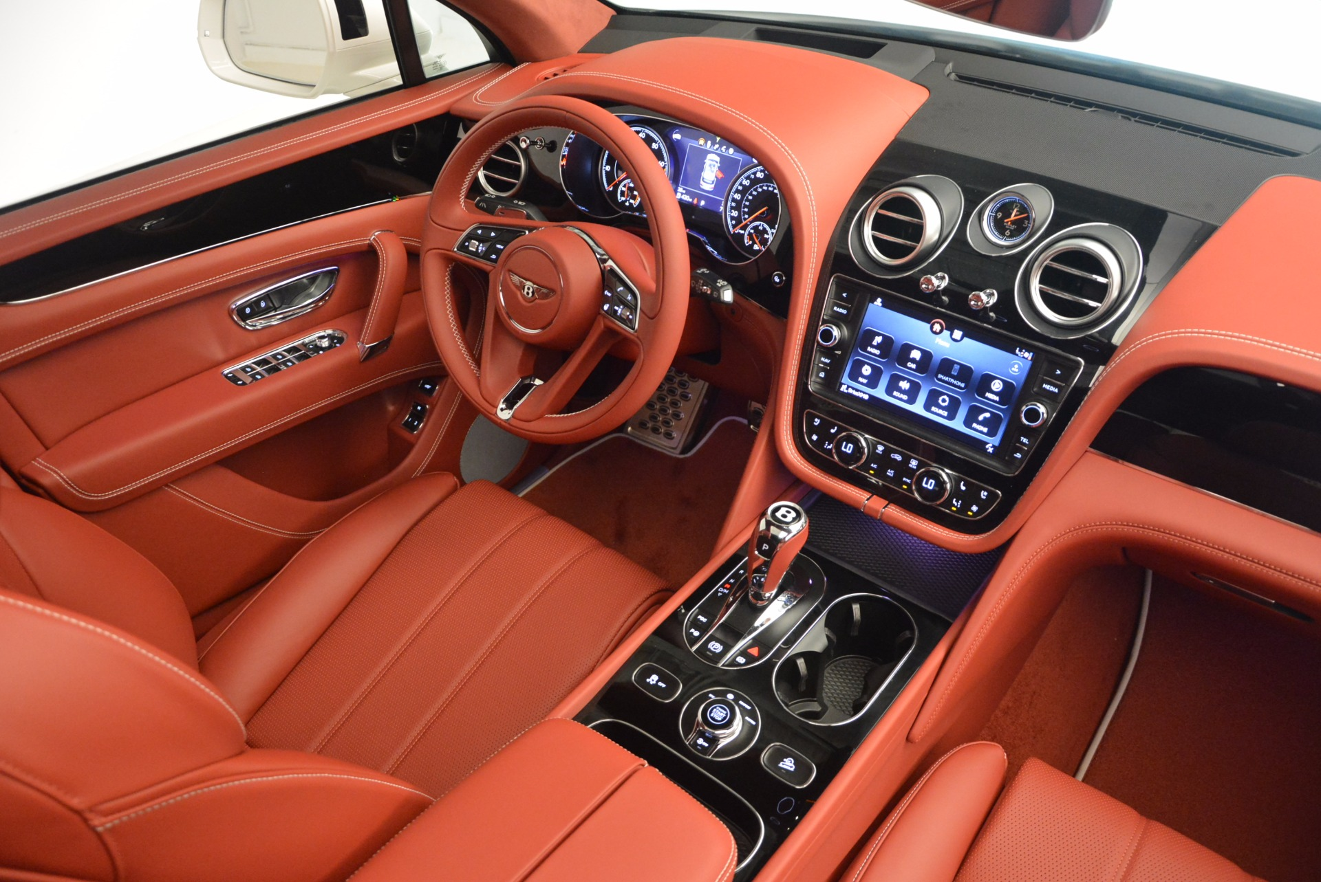New 2018 Bentley Bentayga Onyx For Sale In Greenwich, CT. Alfa Romeo of Greenwich, B1283 1425_p47