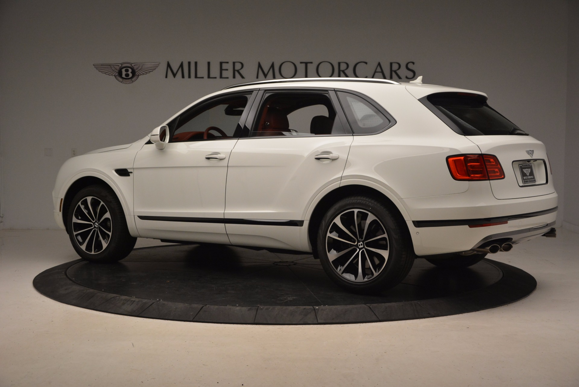 New 2018 Bentley Bentayga Onyx For Sale In Greenwich, CT. Alfa Romeo of Greenwich, B1283 1425_p4