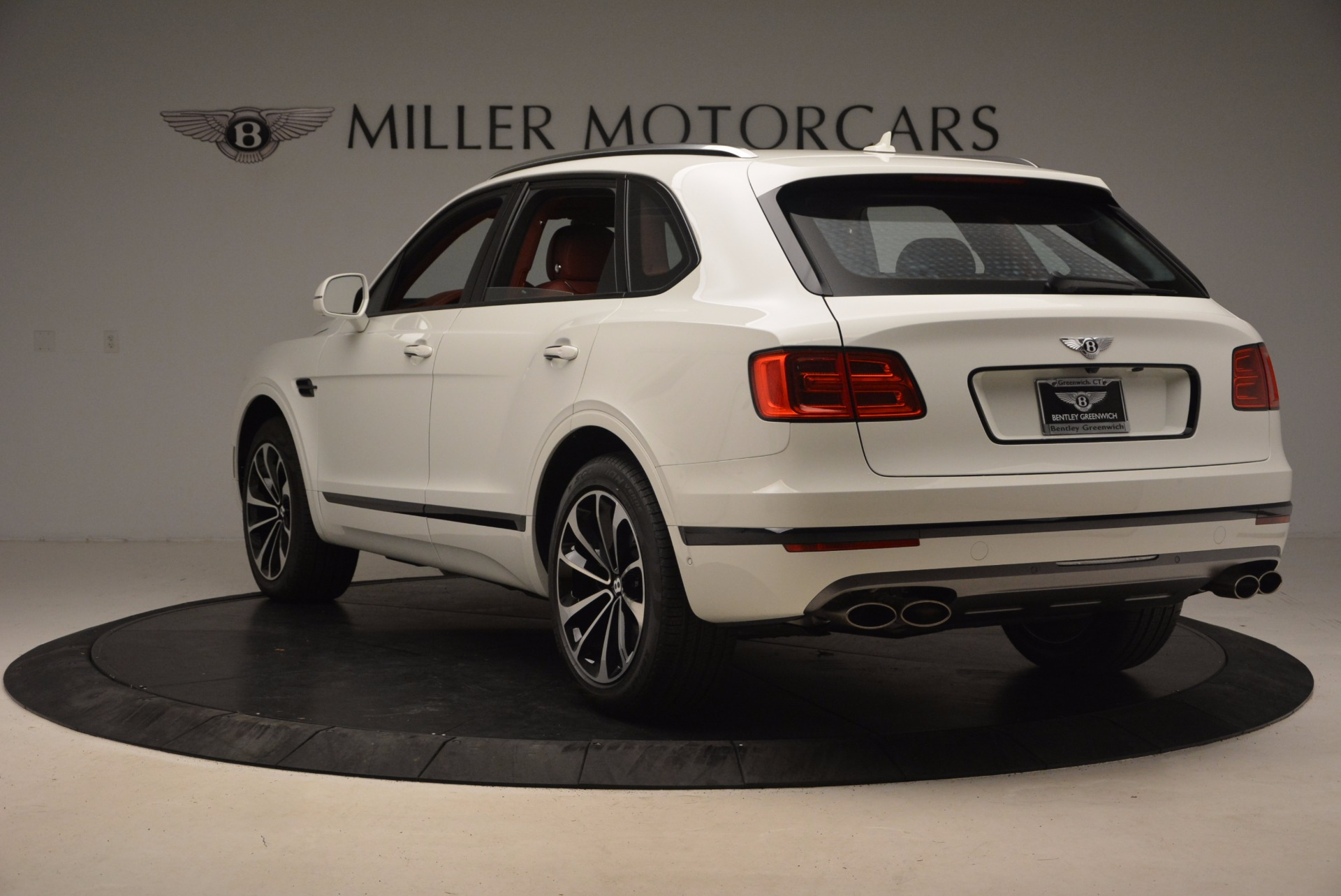New 2018 Bentley Bentayga Onyx For Sale In Greenwich, CT. Alfa Romeo of Greenwich, B1283 1425_p5