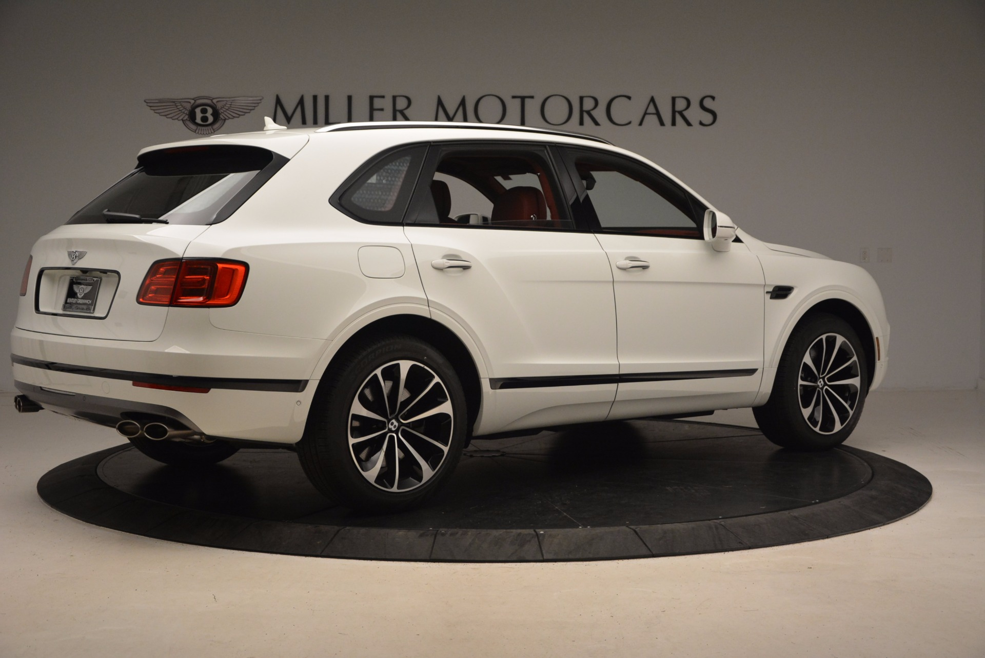 New 2018 Bentley Bentayga Onyx For Sale In Greenwich, CT. Alfa Romeo of Greenwich, B1283 1425_p8