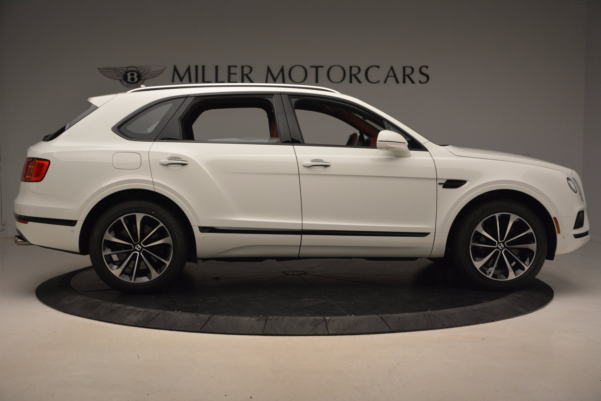 New 2018 Bentley Bentayga Onyx For Sale In Greenwich, CT. Alfa Romeo of Greenwich, B1283 1425_p9