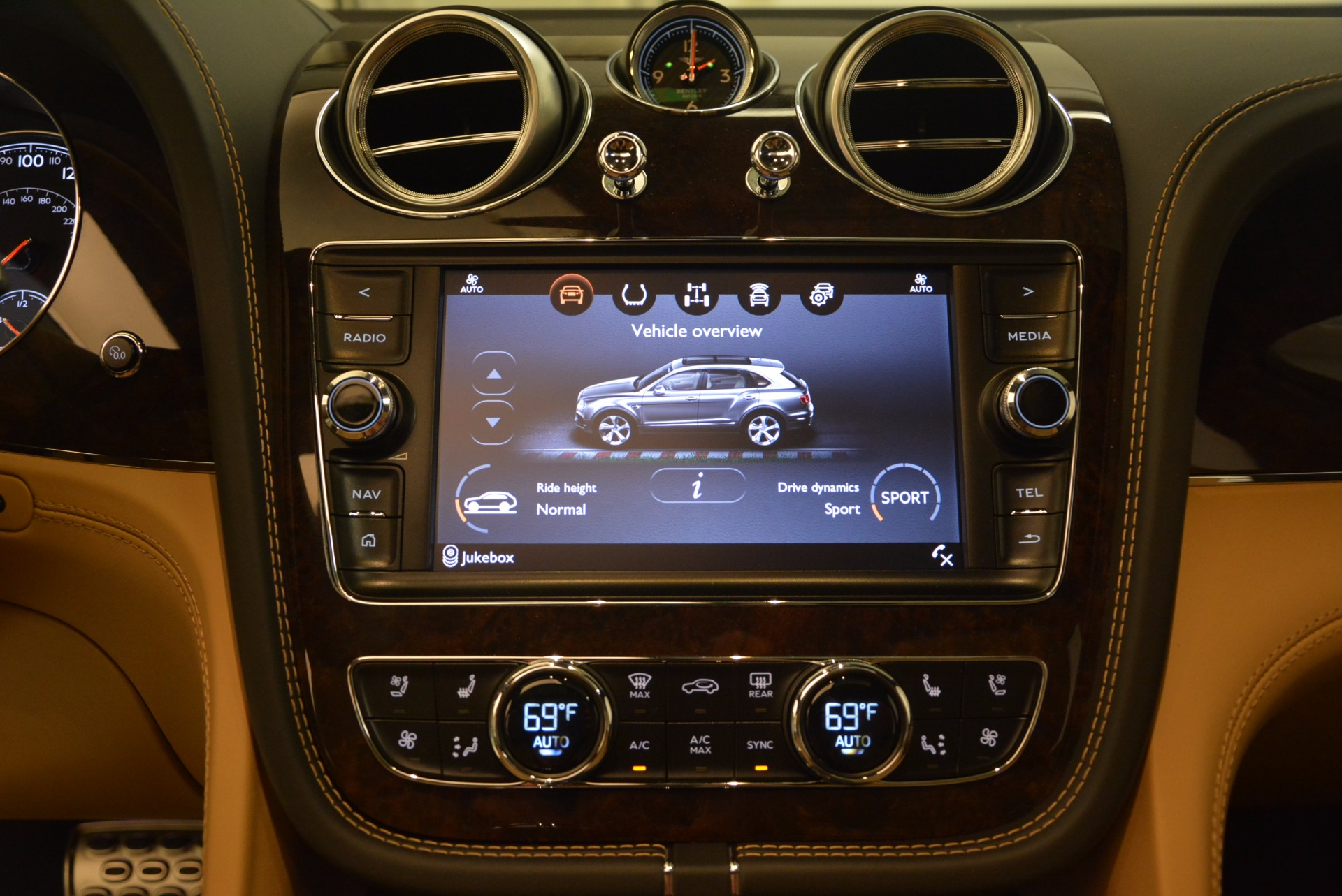 New 2018 Bentley Bentayga  For Sale In Greenwich, CT. Alfa Romeo of Greenwich, B1282 1426_p33