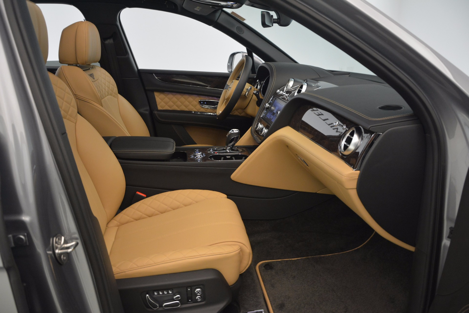 New 2018 Bentley Bentayga  For Sale In Greenwich, CT. Alfa Romeo of Greenwich, B1282 1426_p45