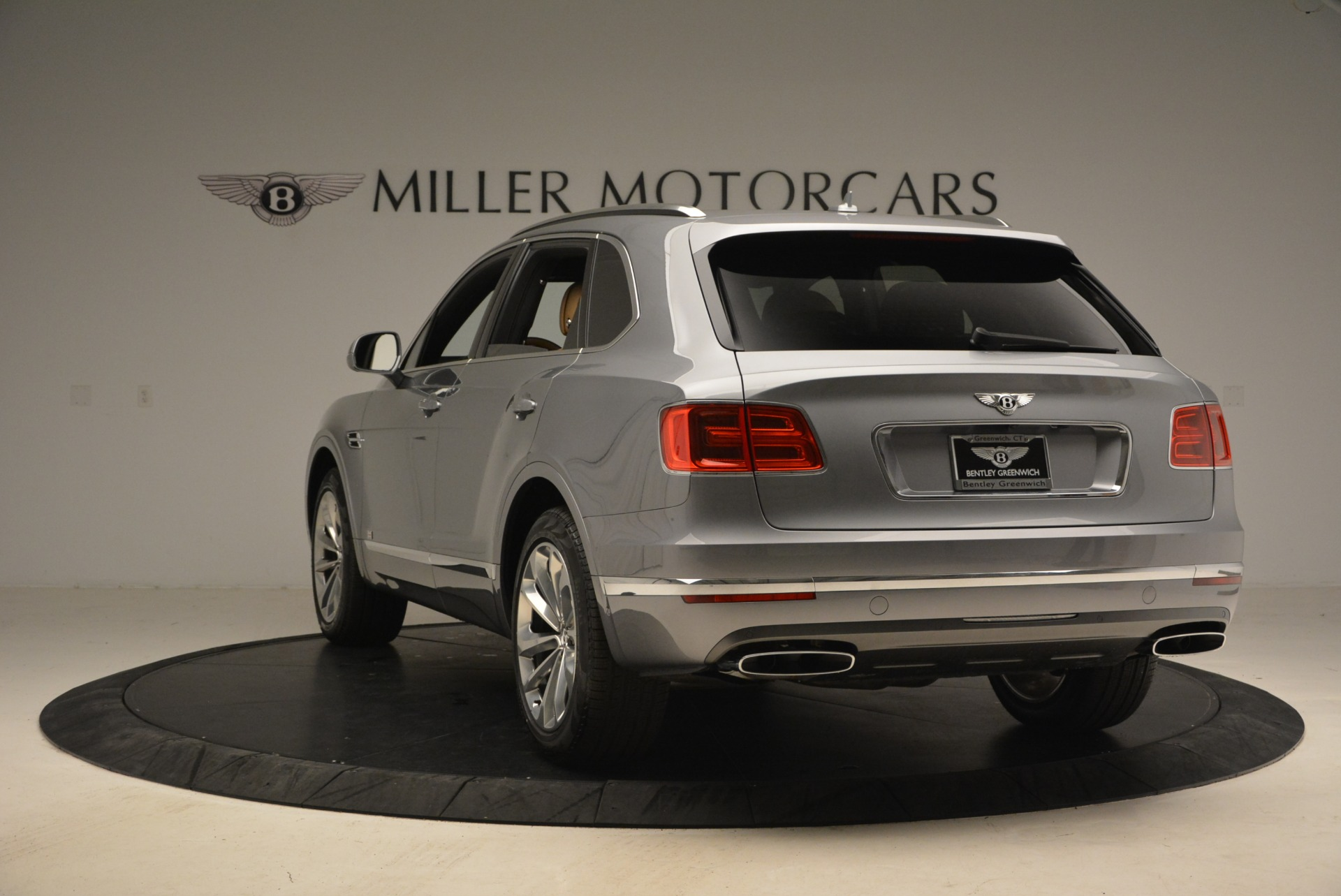 New 2018 Bentley Bentayga  For Sale In Greenwich, CT. Alfa Romeo of Greenwich, B1282 1426_p5