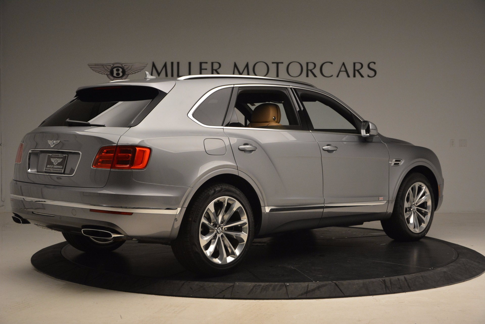 New 2018 Bentley Bentayga  For Sale In Greenwich, CT. Alfa Romeo of Greenwich, B1282 1426_p8