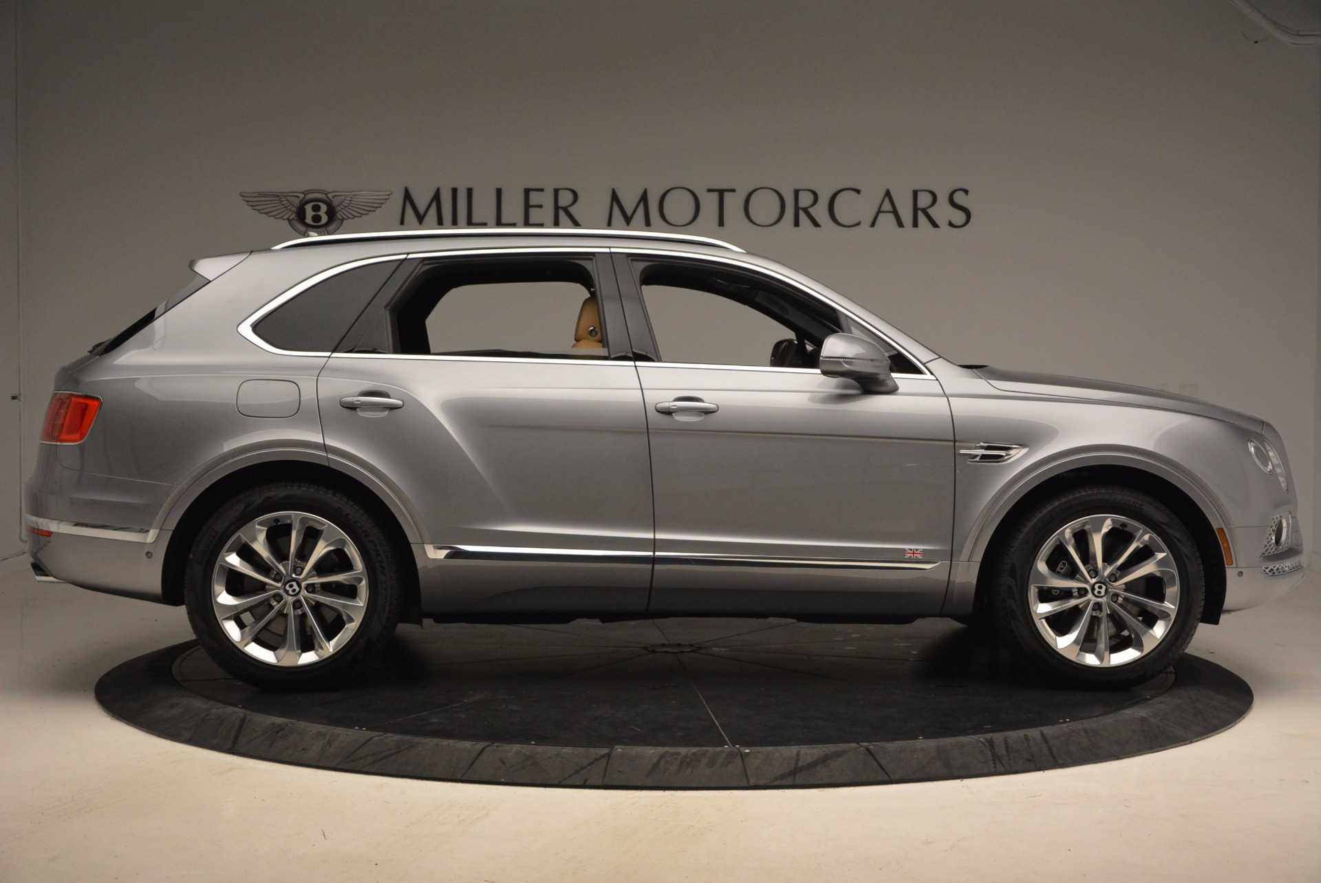 New 2018 Bentley Bentayga  For Sale In Greenwich, CT. Alfa Romeo of Greenwich, B1282 1426_p9