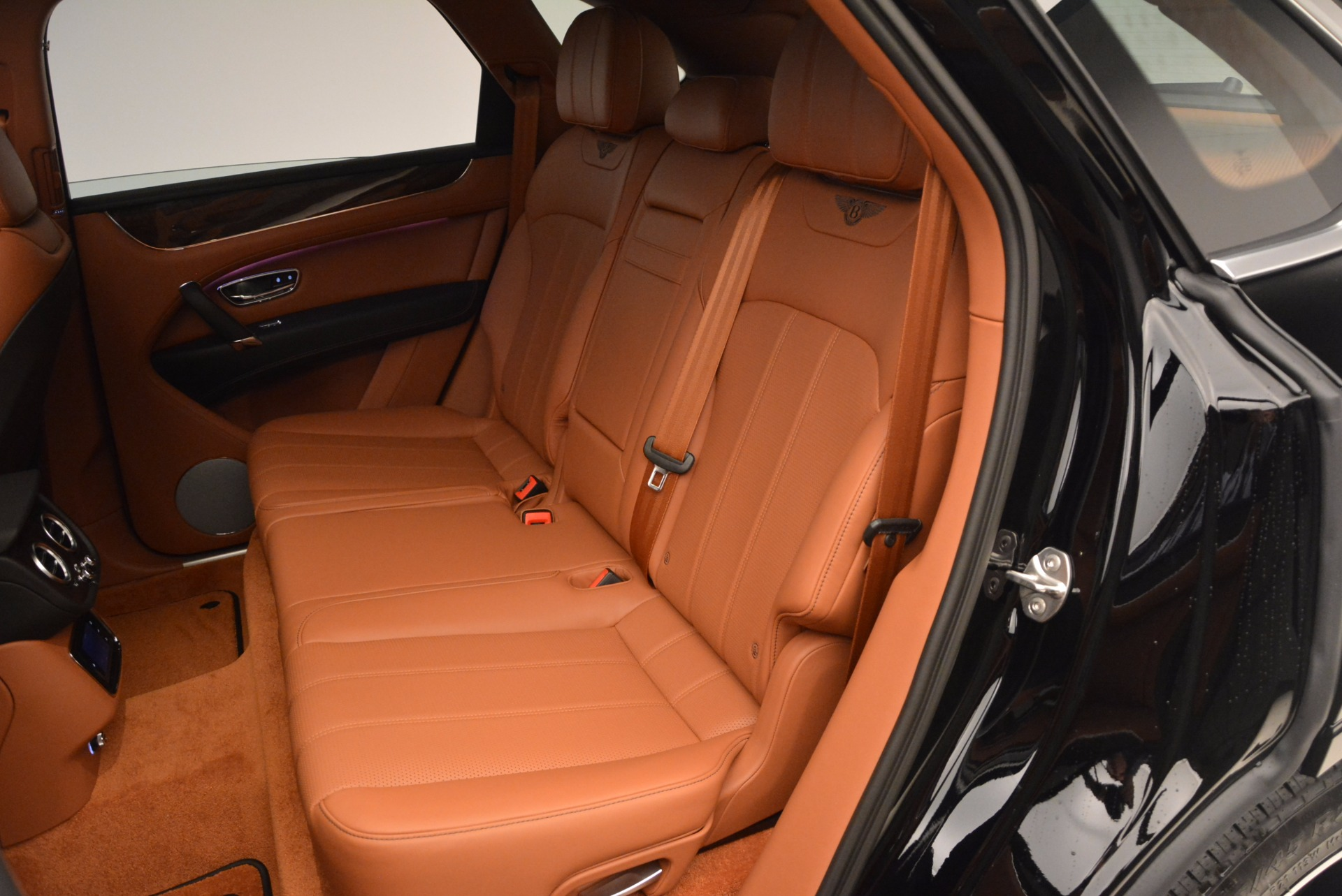 New 2018 Bentley Bentayga Onyx For Sale In Greenwich, CT. Alfa Romeo of Greenwich, B1286 1428_p29