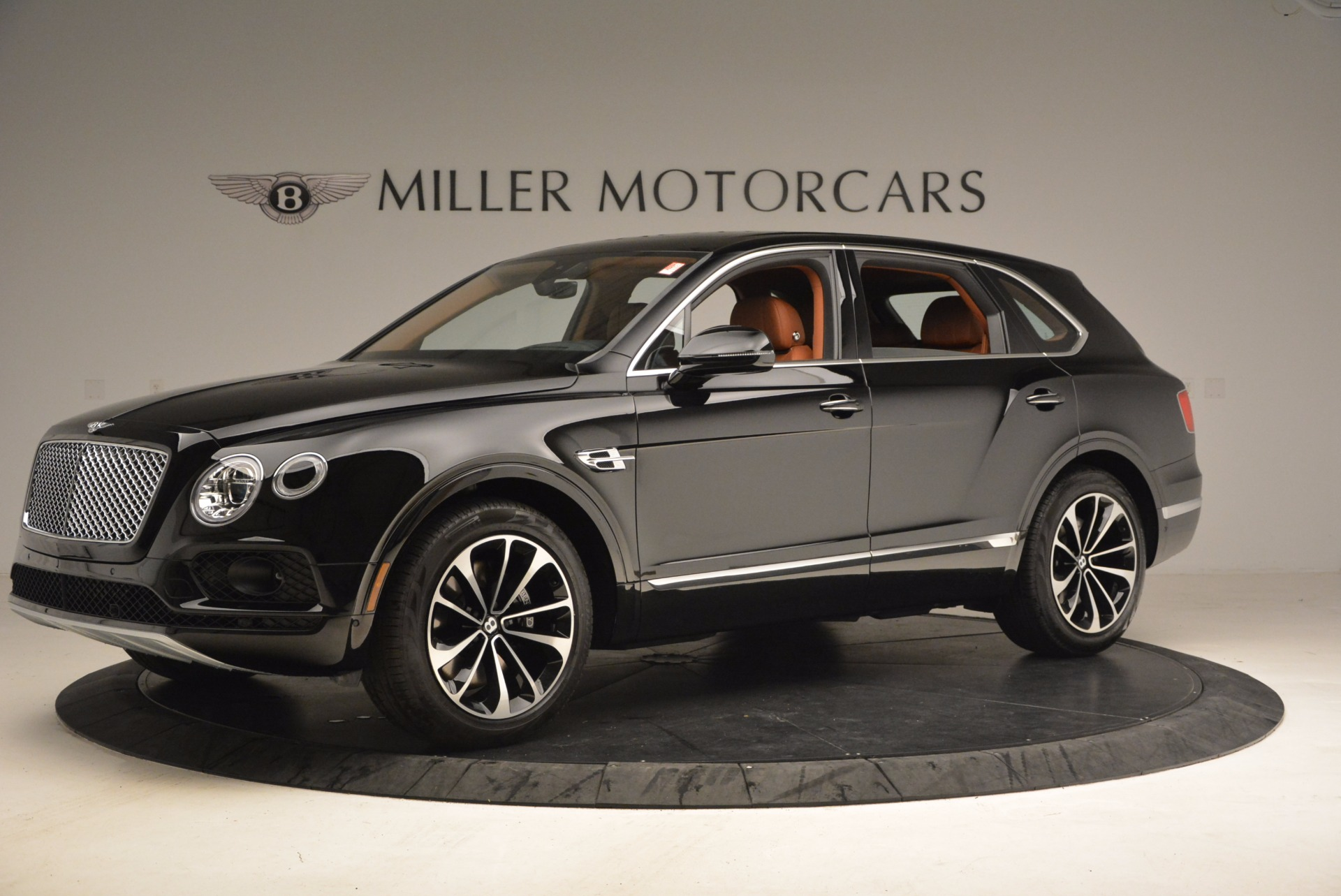 New 2018 Bentley Bentayga Onyx For Sale In Greenwich, CT. Alfa Romeo of Greenwich, B1286 1428_p2