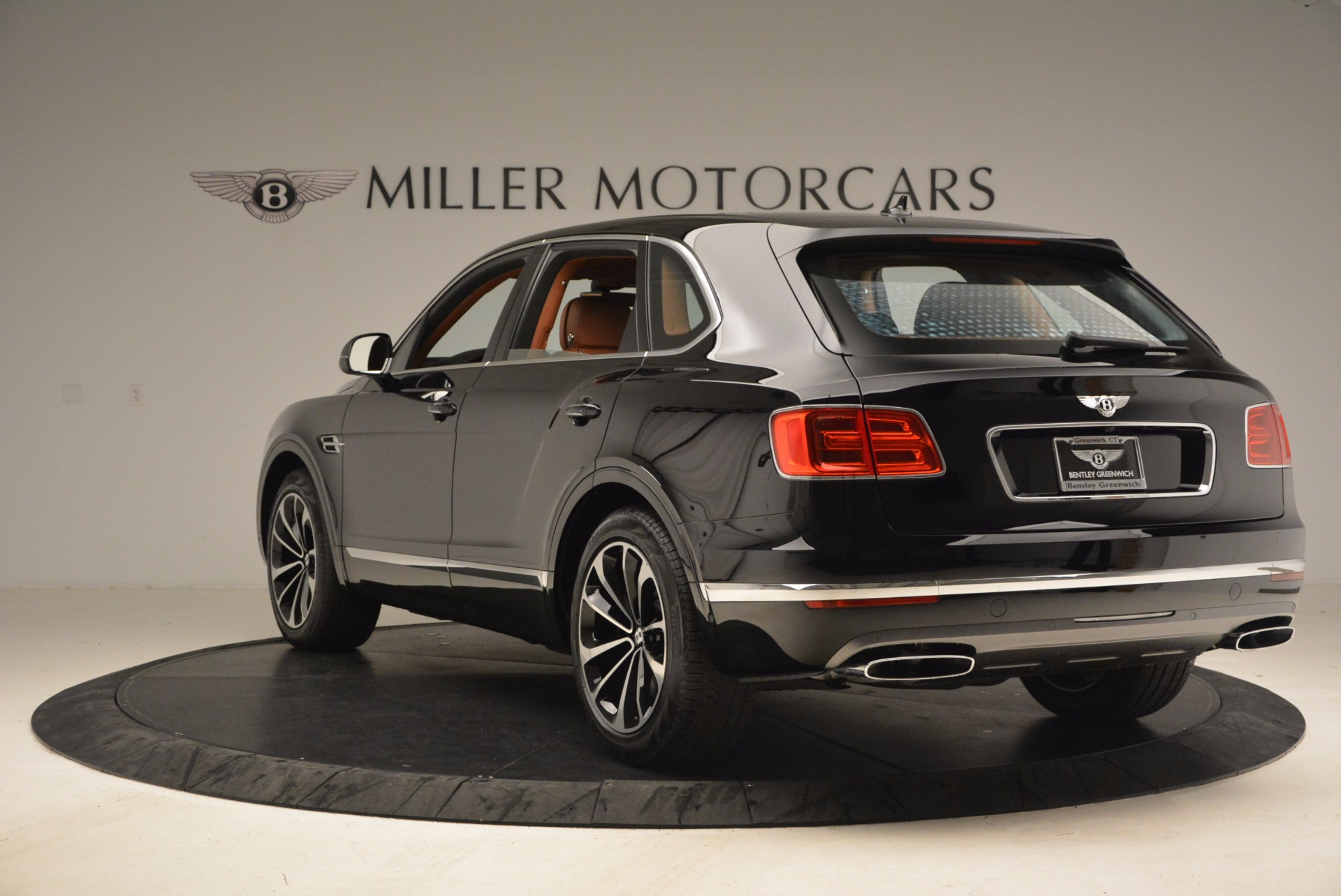 New 2018 Bentley Bentayga Onyx For Sale In Greenwich, CT. Alfa Romeo of Greenwich, B1286 1428_p5