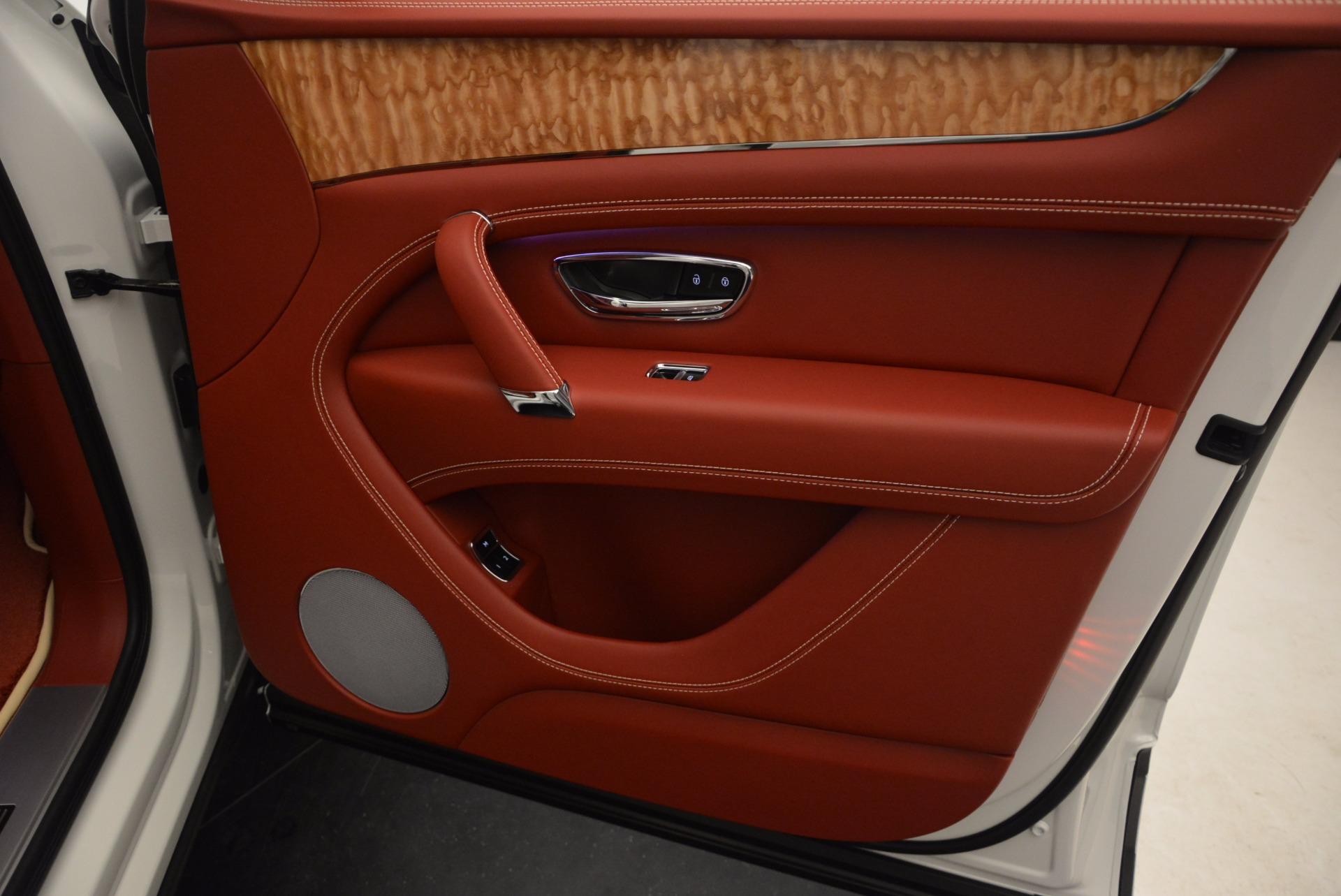 New 2018 Bentley Bentayga Onyx Edition For Sale In Greenwich, CT. Alfa Romeo of Greenwich, B1285 1429_p39