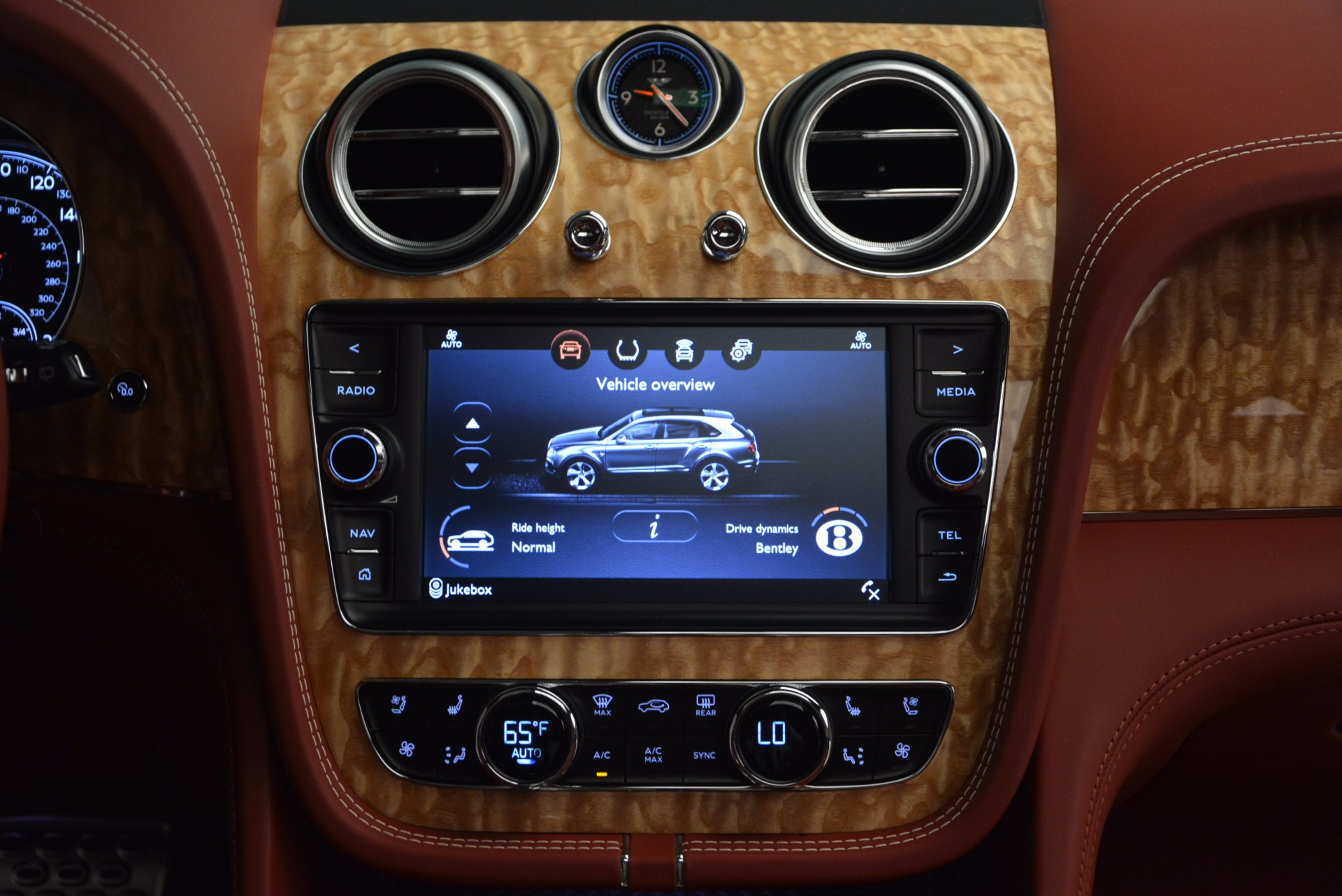 New 2018 Bentley Bentayga Onyx Edition For Sale In Greenwich, CT. Alfa Romeo of Greenwich, B1285 1429_p47