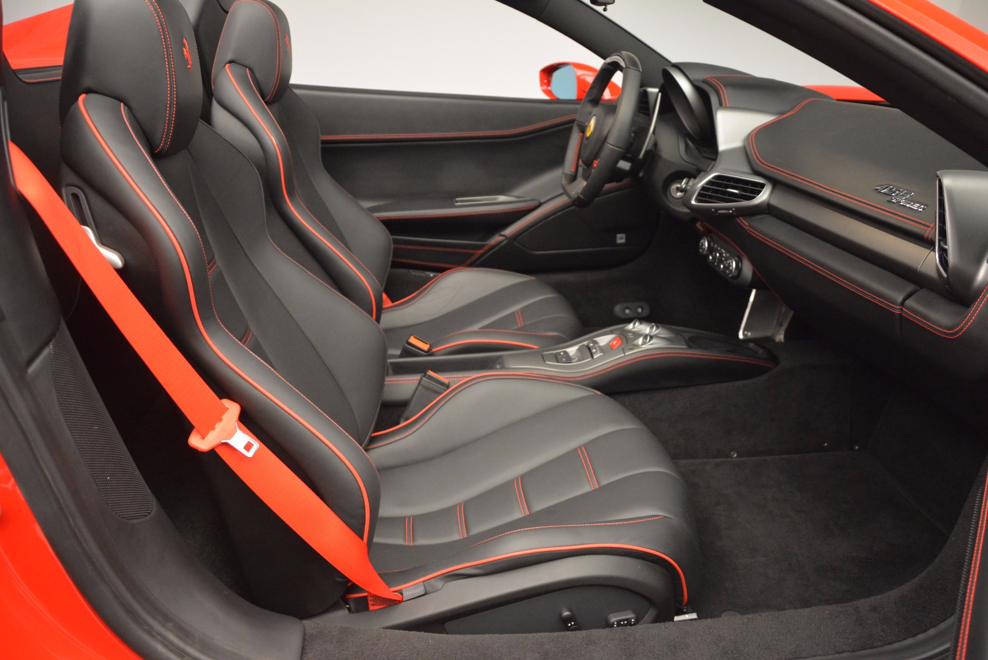Used 2014 Ferrari 458 Spider  For Sale In Greenwich, CT. Alfa Romeo of Greenwich, 4408 1430_p30