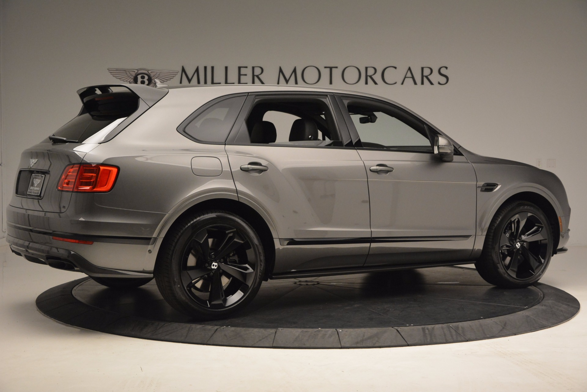 New 2018 Bentley Bentayga Black Edition For Sale In Greenwich, CT. Alfa Romeo of Greenwich, B1290 1431_p10