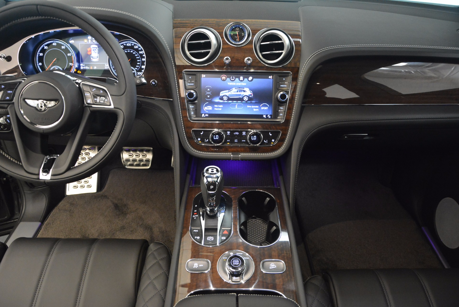 New 2018 Bentley Bentayga Black Edition For Sale In Greenwich, CT. Alfa Romeo of Greenwich, B1290 1431_p30