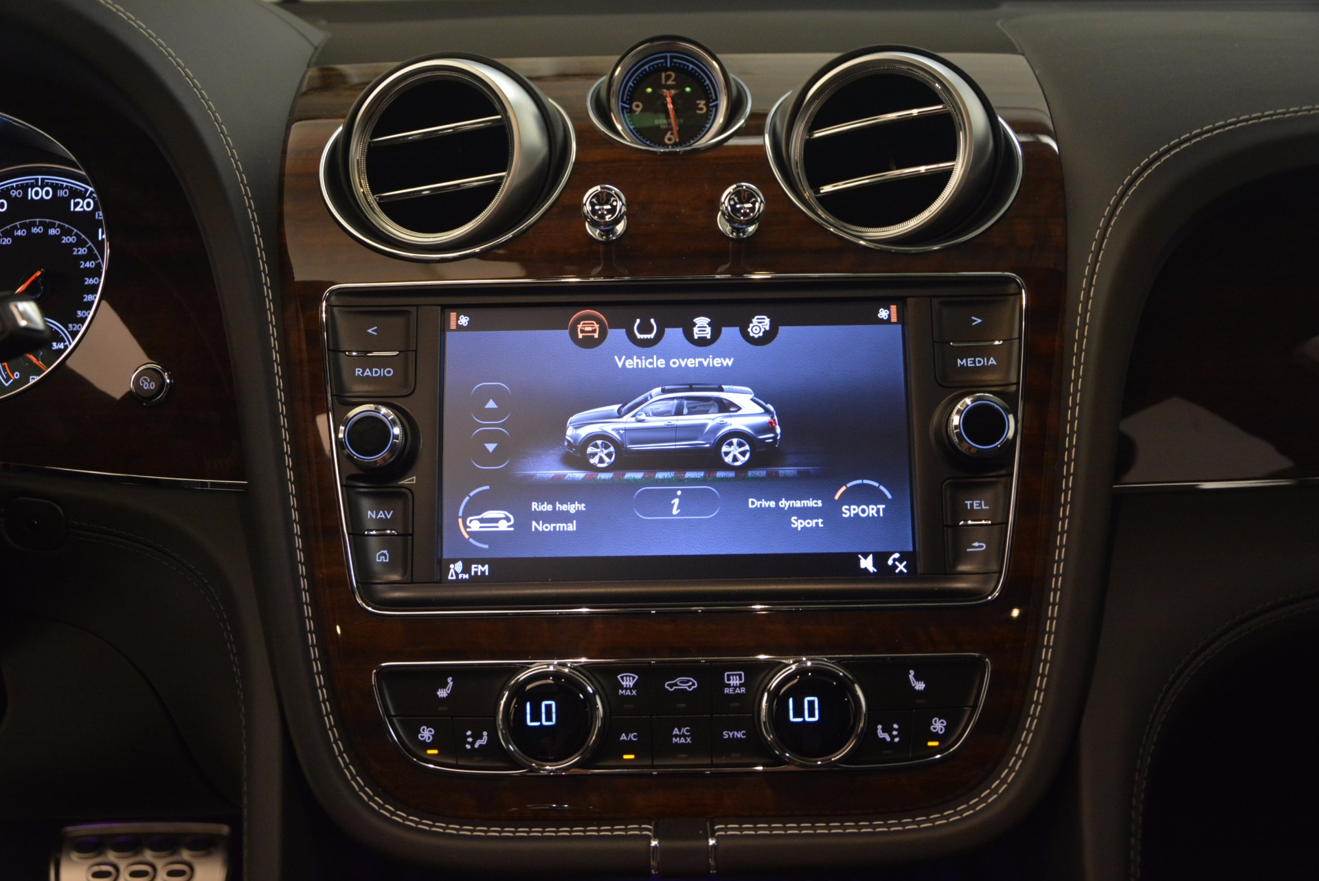 New 2018 Bentley Bentayga Black Edition For Sale In Greenwich, CT. Alfa Romeo of Greenwich, B1290 1431_p31