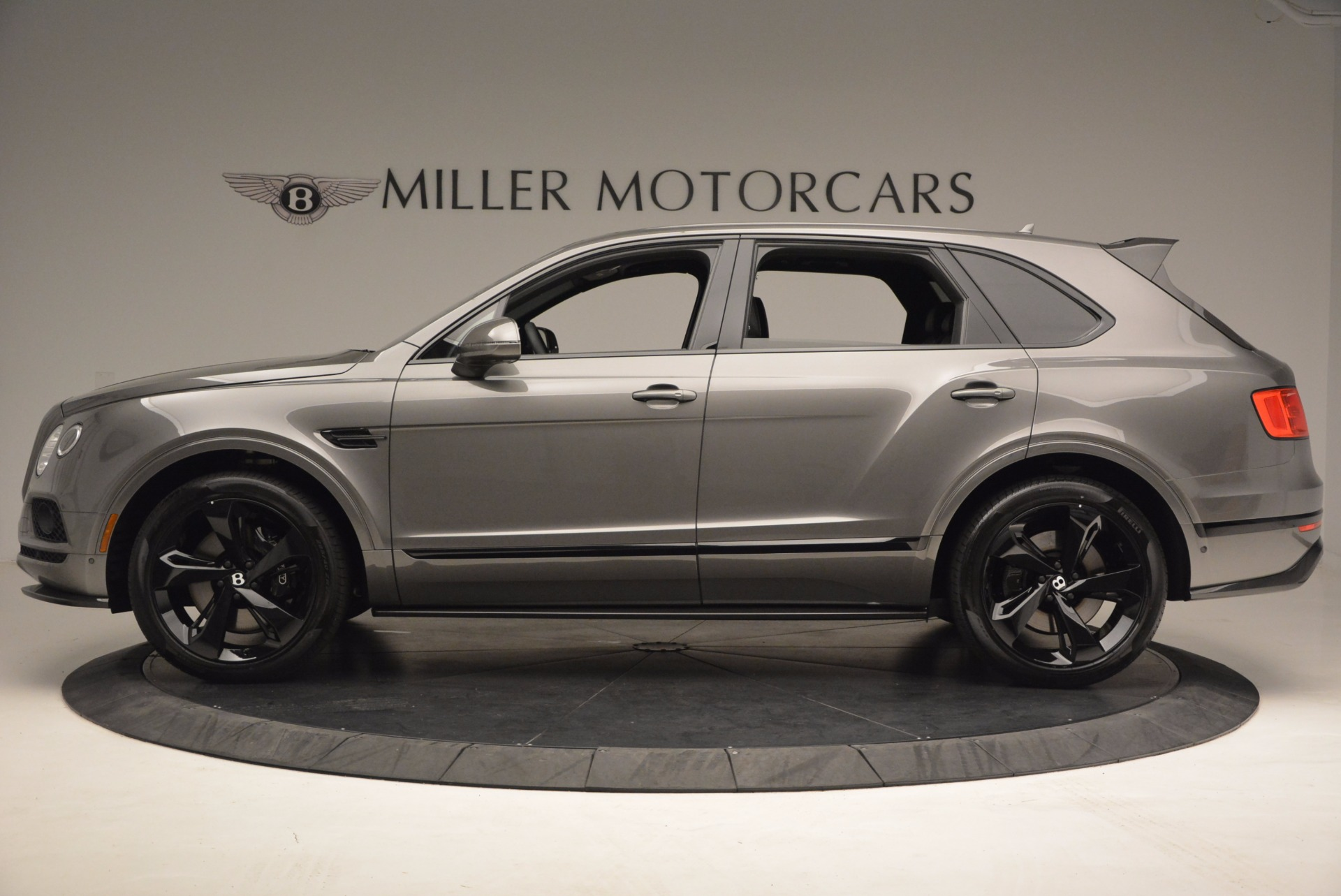 New 2018 Bentley Bentayga Black Edition For Sale In Greenwich, CT. Alfa Romeo of Greenwich, B1290 1431_p4