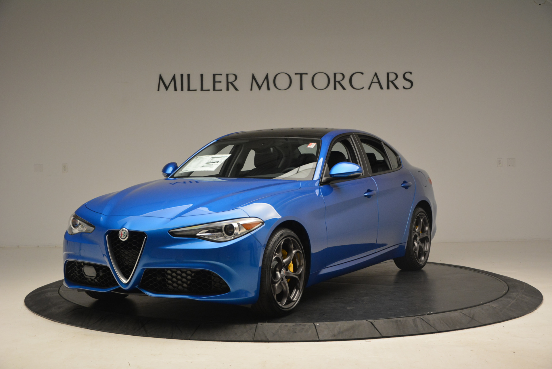 New 2017 Alfa Romeo Giulia Ti Sport Q4 For Sale In Greenwich, CT. Alfa Romeo of Greenwich, LW097 1433_main