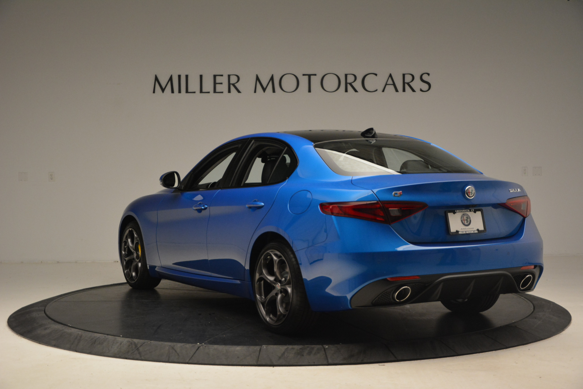 New 2017 Alfa Romeo Giulia Ti Sport Q4 For Sale In Greenwich, CT. Alfa Romeo of Greenwich, LW097 1433_p5