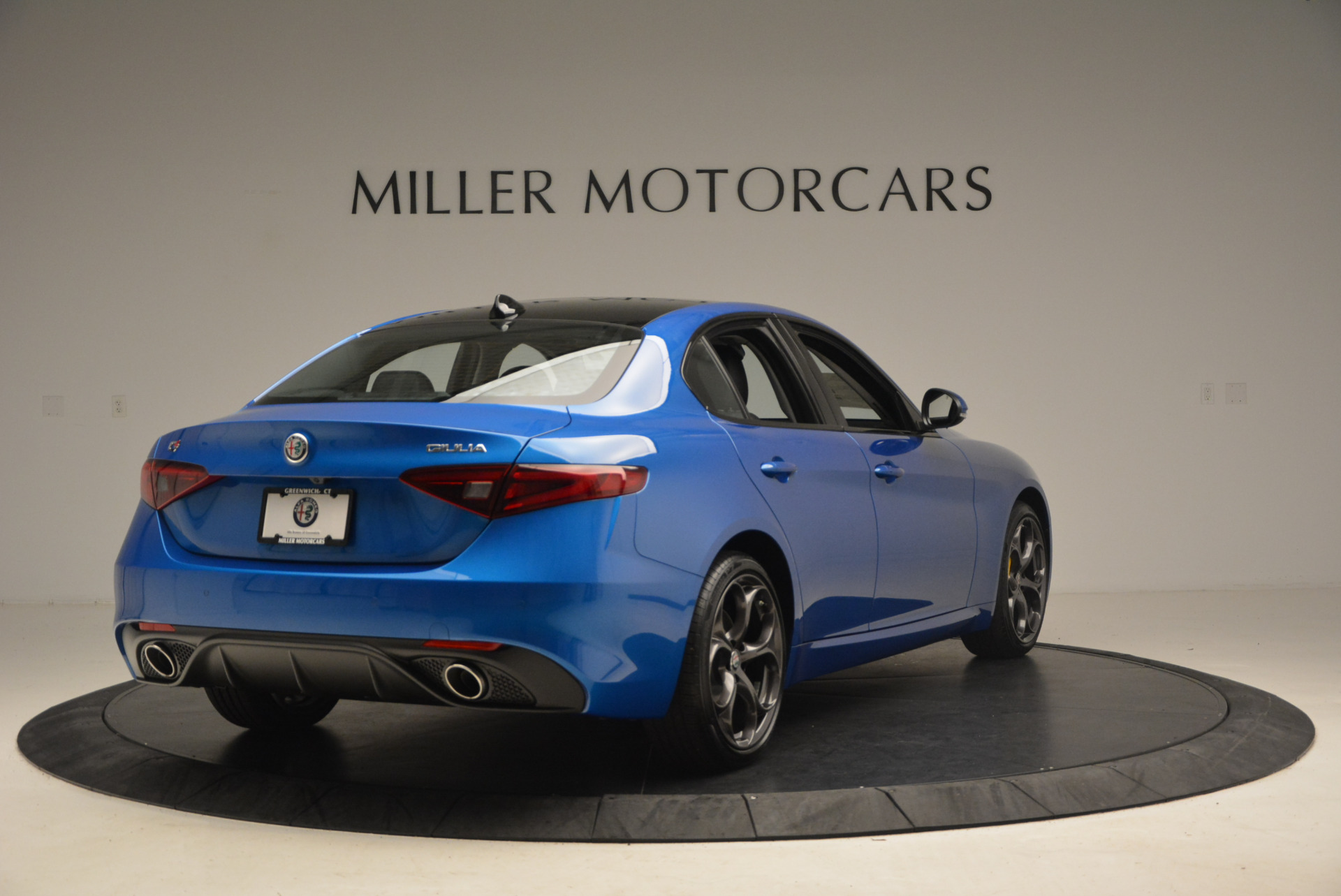 New 2017 Alfa Romeo Giulia Ti Sport Q4 For Sale In Greenwich, CT. Alfa Romeo of Greenwich, LW097 1433_p7
