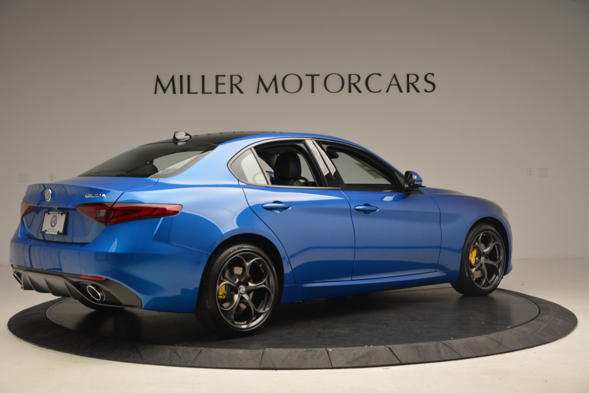 New 2017 Alfa Romeo Giulia Ti Sport Q4 For Sale In Greenwich, CT. Alfa Romeo of Greenwich, LW097 1433_p8