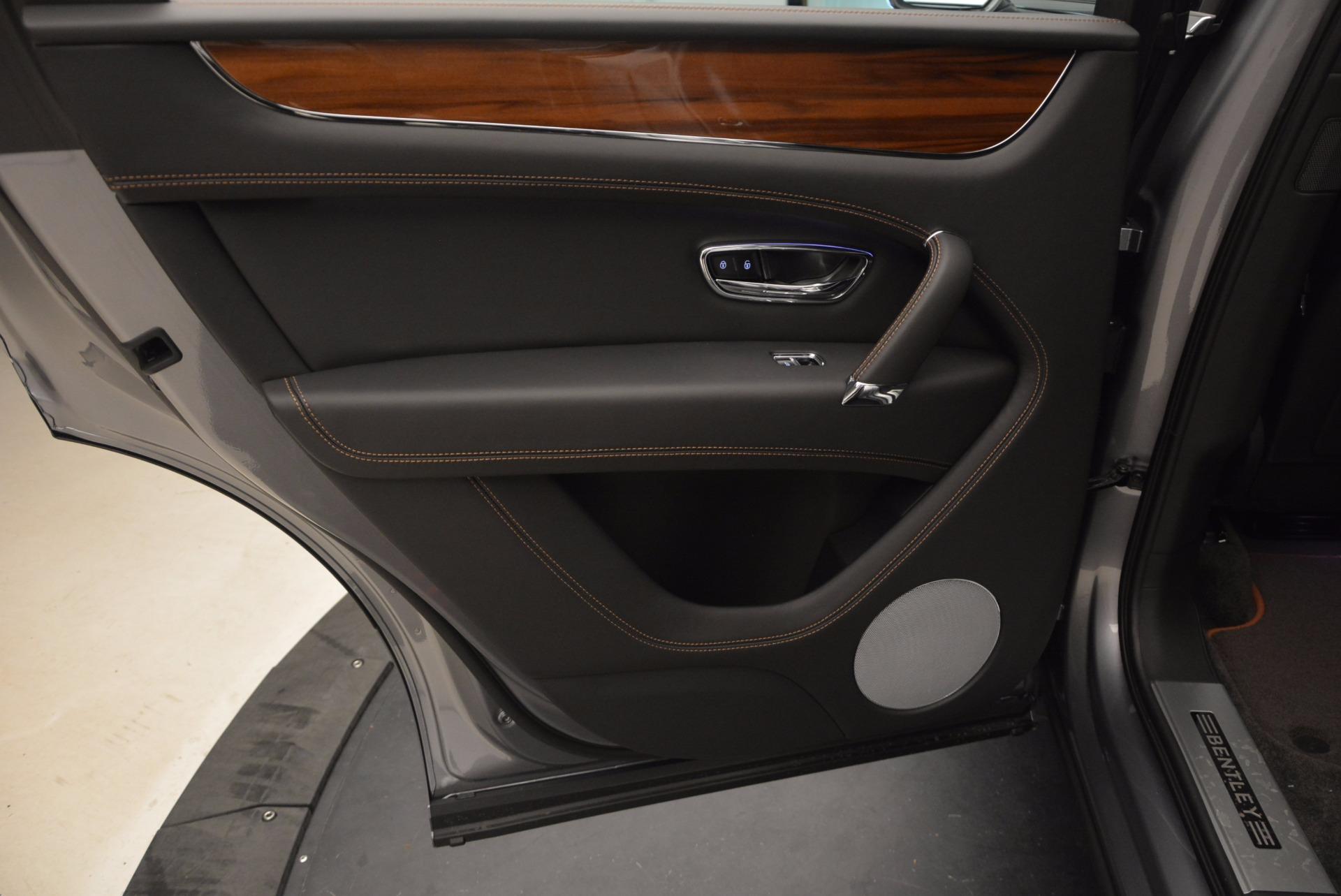 New 2018 Bentley Bentayga Onyx For Sale In Greenwich, CT. Alfa Romeo of Greenwich, B1287 1446_p28
