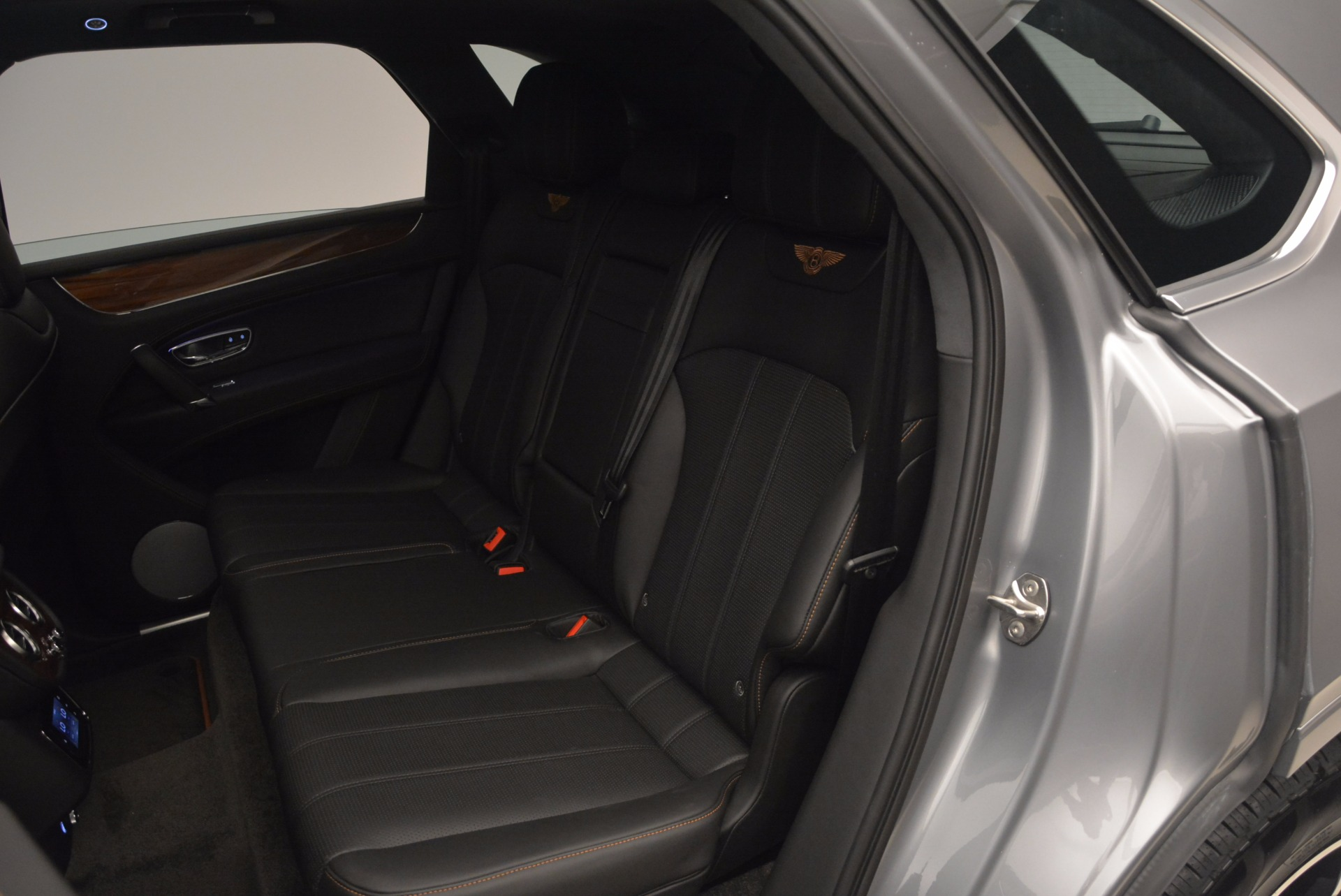 New 2018 Bentley Bentayga Onyx For Sale In Greenwich, CT. Alfa Romeo of Greenwich, B1287 1446_p29