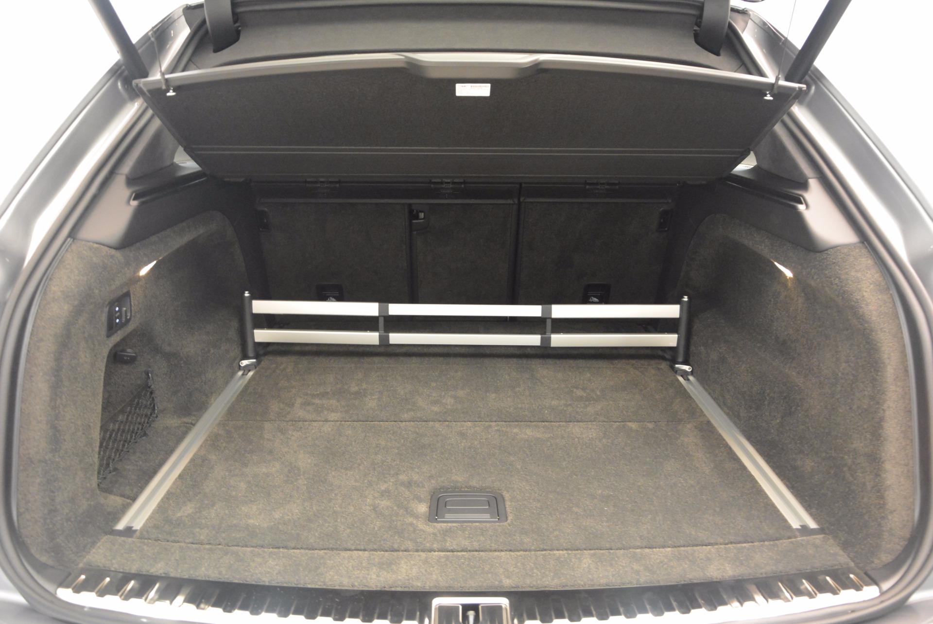 New 2018 Bentley Bentayga Onyx For Sale In Greenwich, CT. Alfa Romeo of Greenwich, B1287 1446_p34